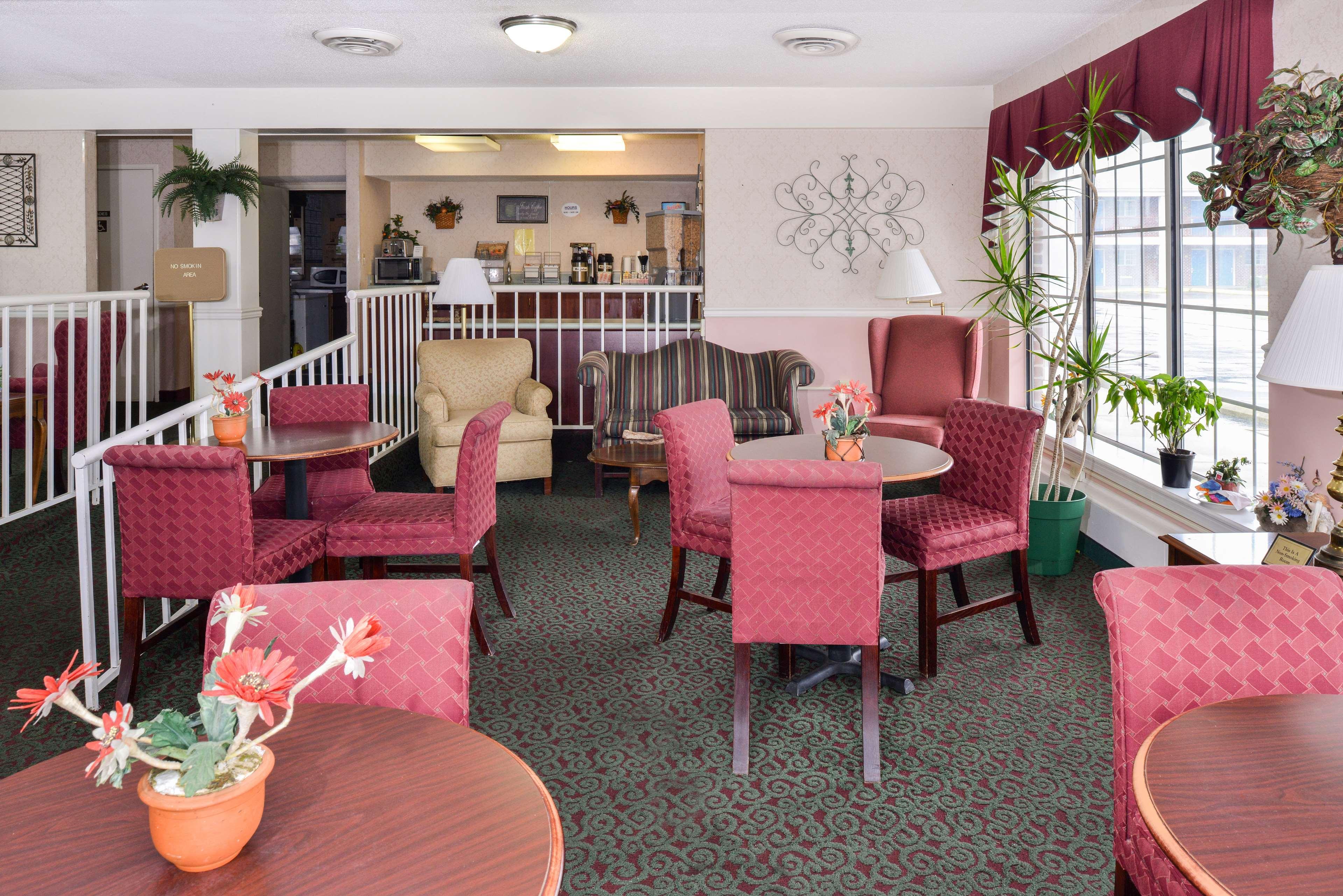 Americas Best Value Inn Edenton image 20