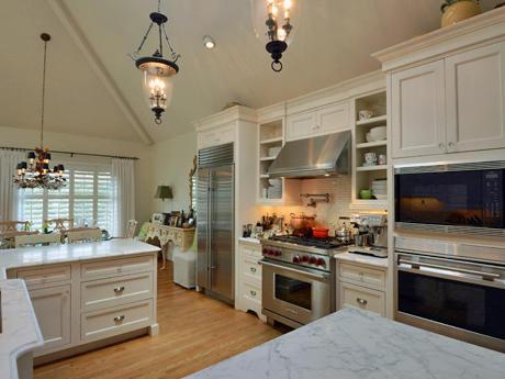 Interior Views image 2