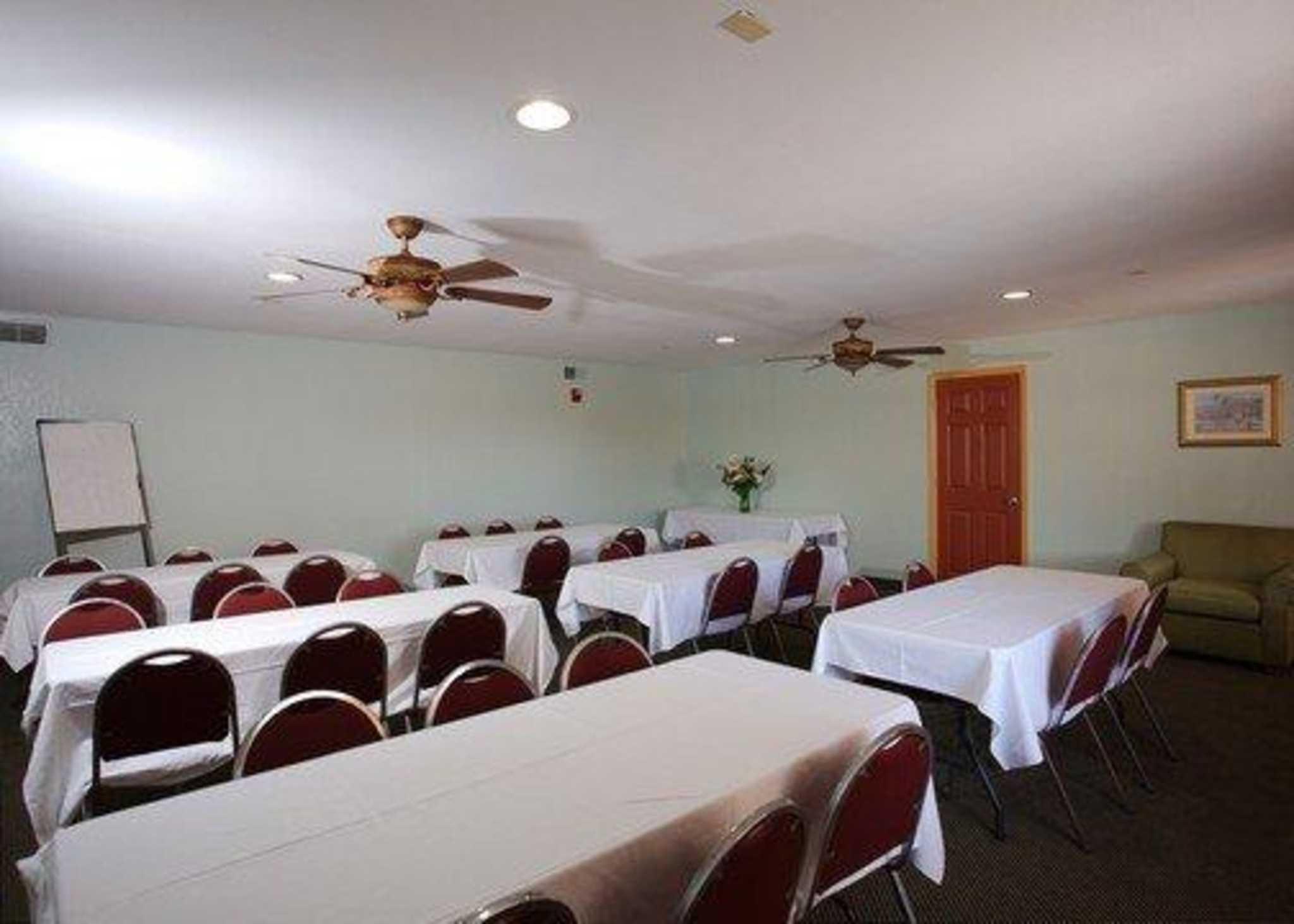 Quality Inn N.A.S.-Corry image 20