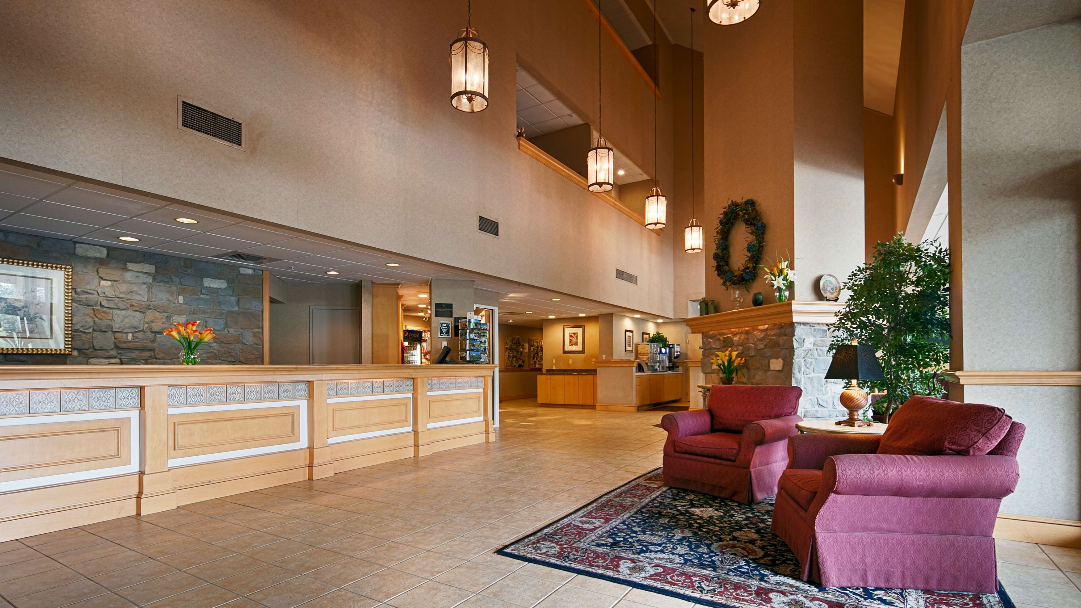Best Western Plus Revere Inn & Suites image 1