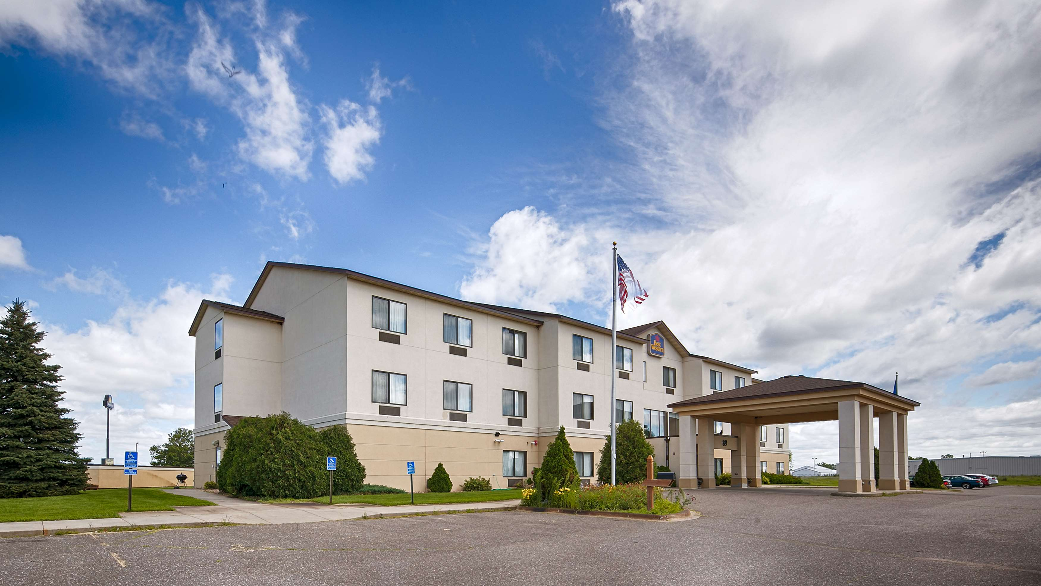 best western chelsea hotel coupons near me in monticello. Black Bedroom Furniture Sets. Home Design Ideas