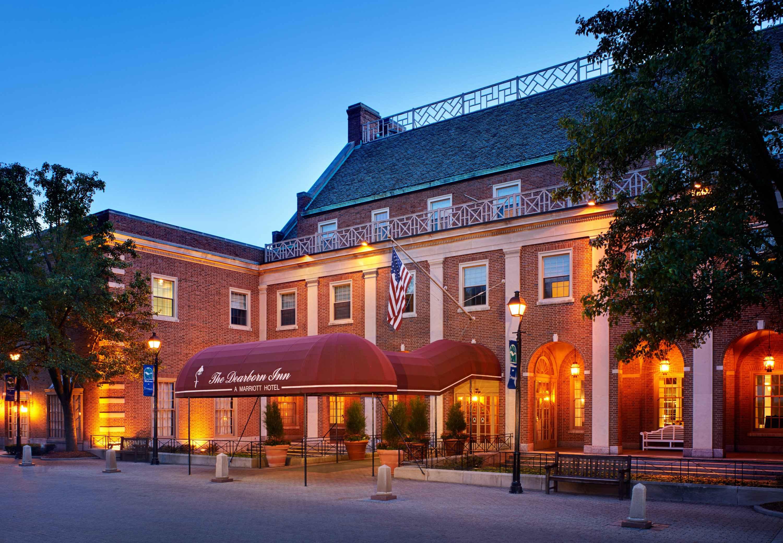 Hotels Near Dearborn Mi