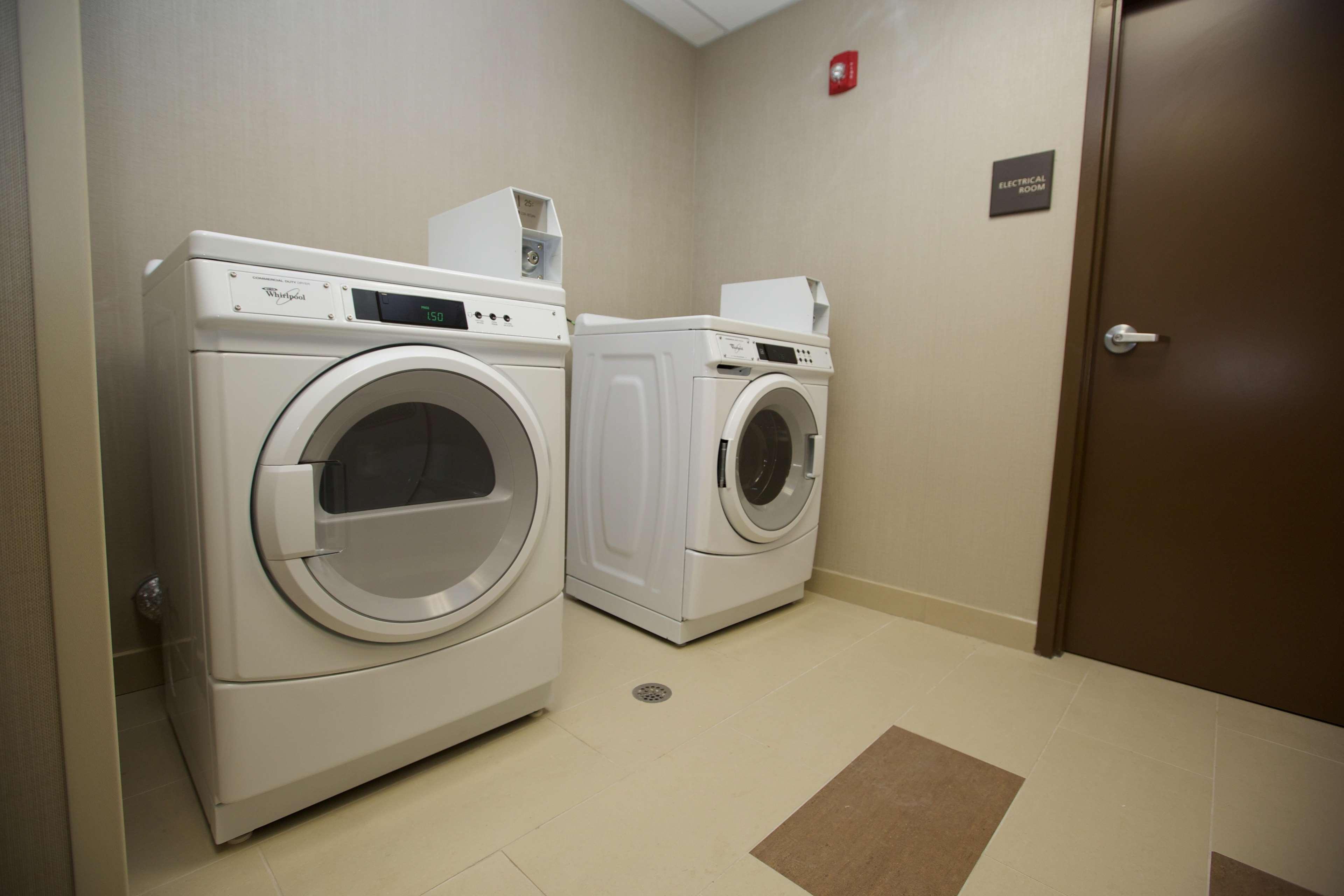 Hampton Inn & Suites Missouri City, TX image 42