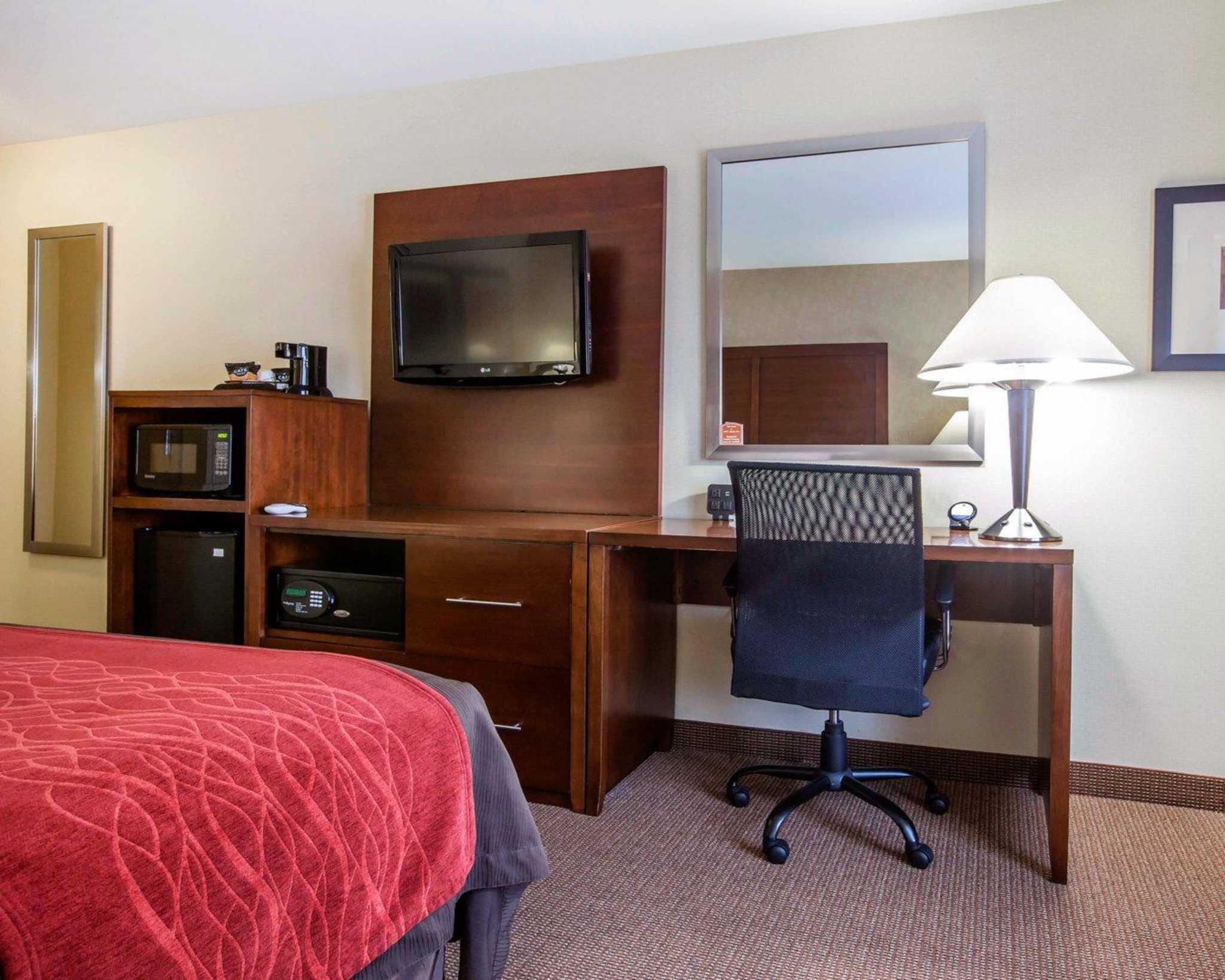 Comfort Inn & Suites adj to Akwesasne Mohawk Casino image 12