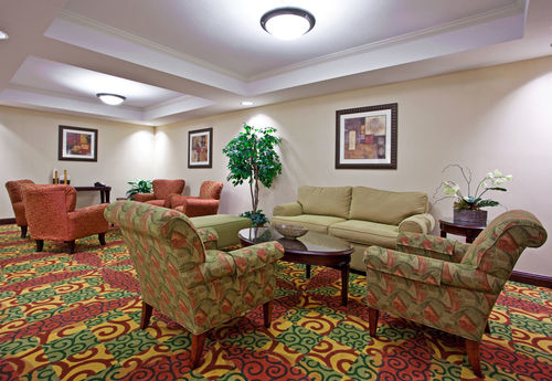 Holiday Inn Express & Suites Portland - ad image