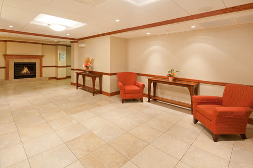 Holiday Inn Express & Suites Tilton - Lakes Region image 2