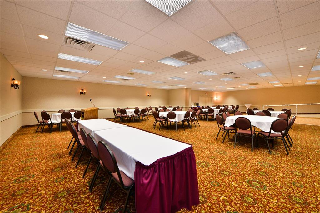 Americas Best Value Inn Albert Lea image 25