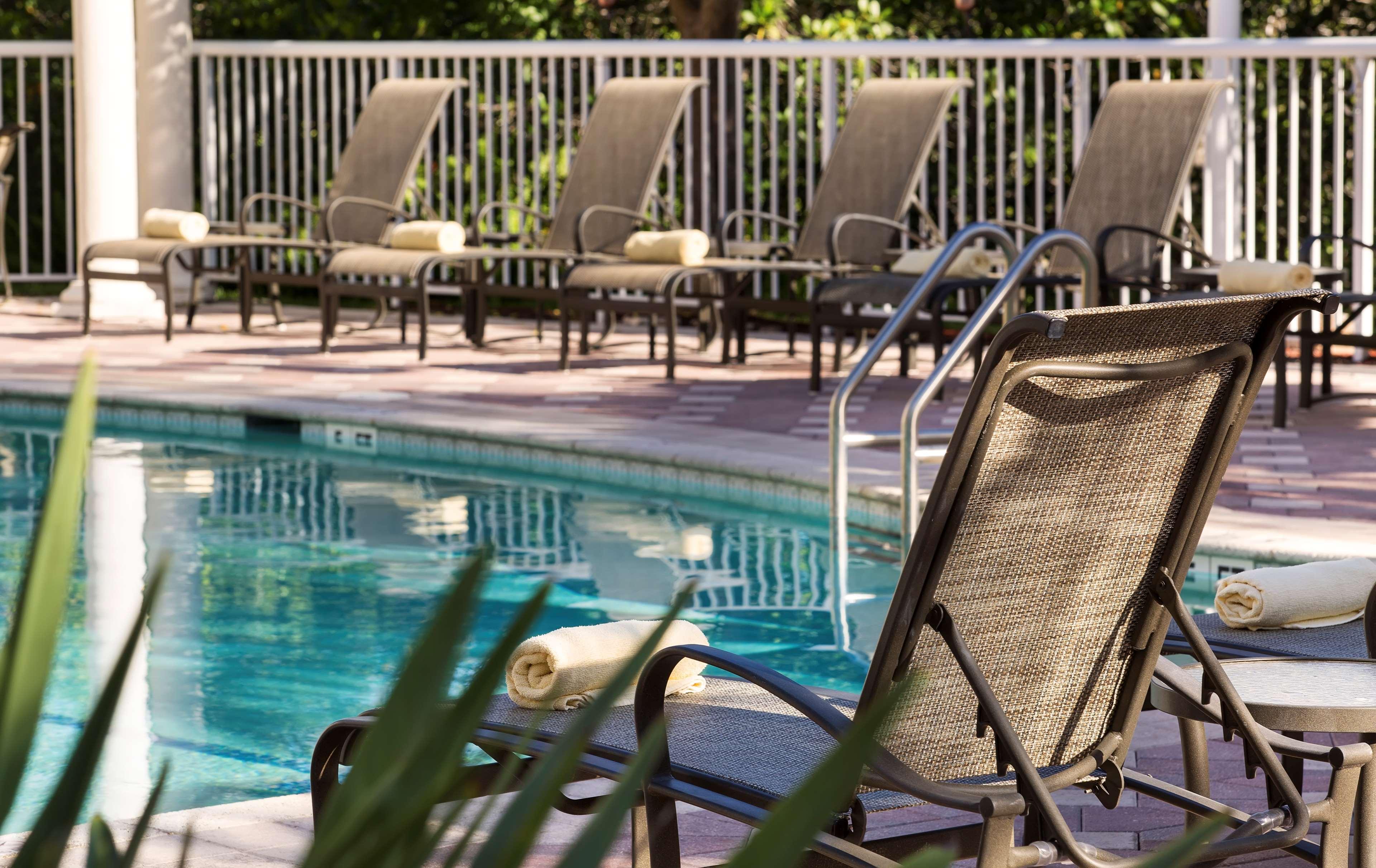 DoubleTree Suites by Hilton Hotel Naples image 10