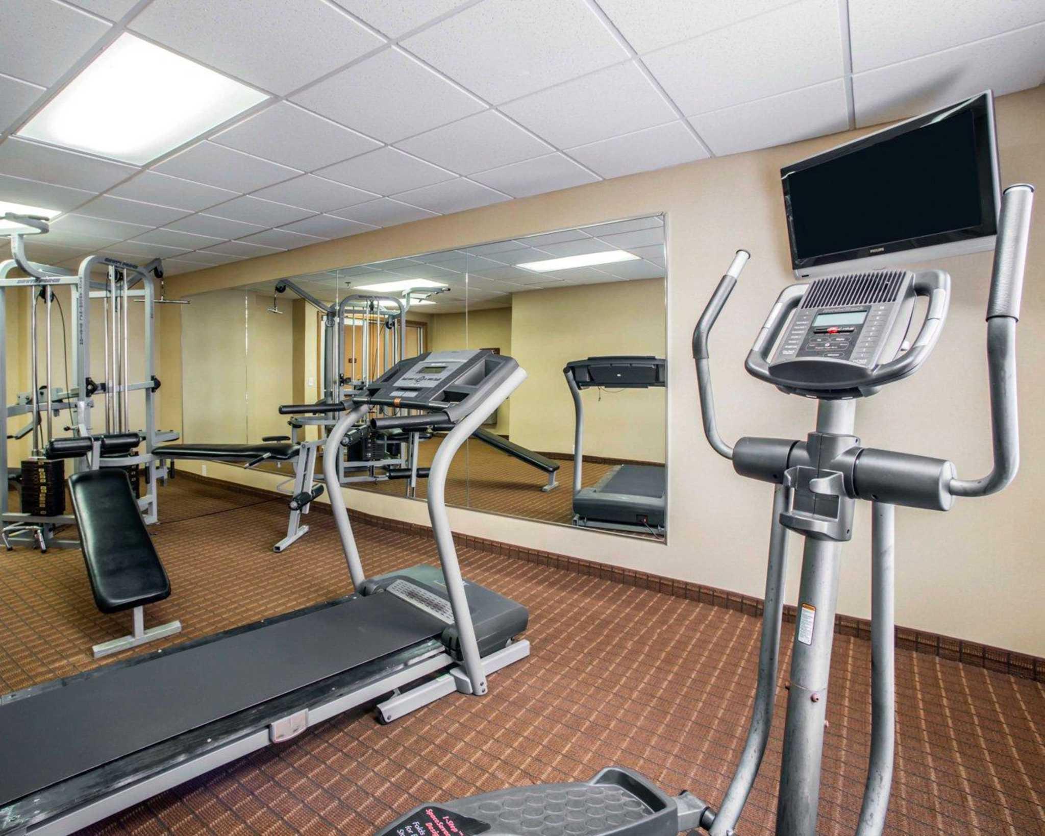 Comfort Inn & Suites Greenville I-70 image 25