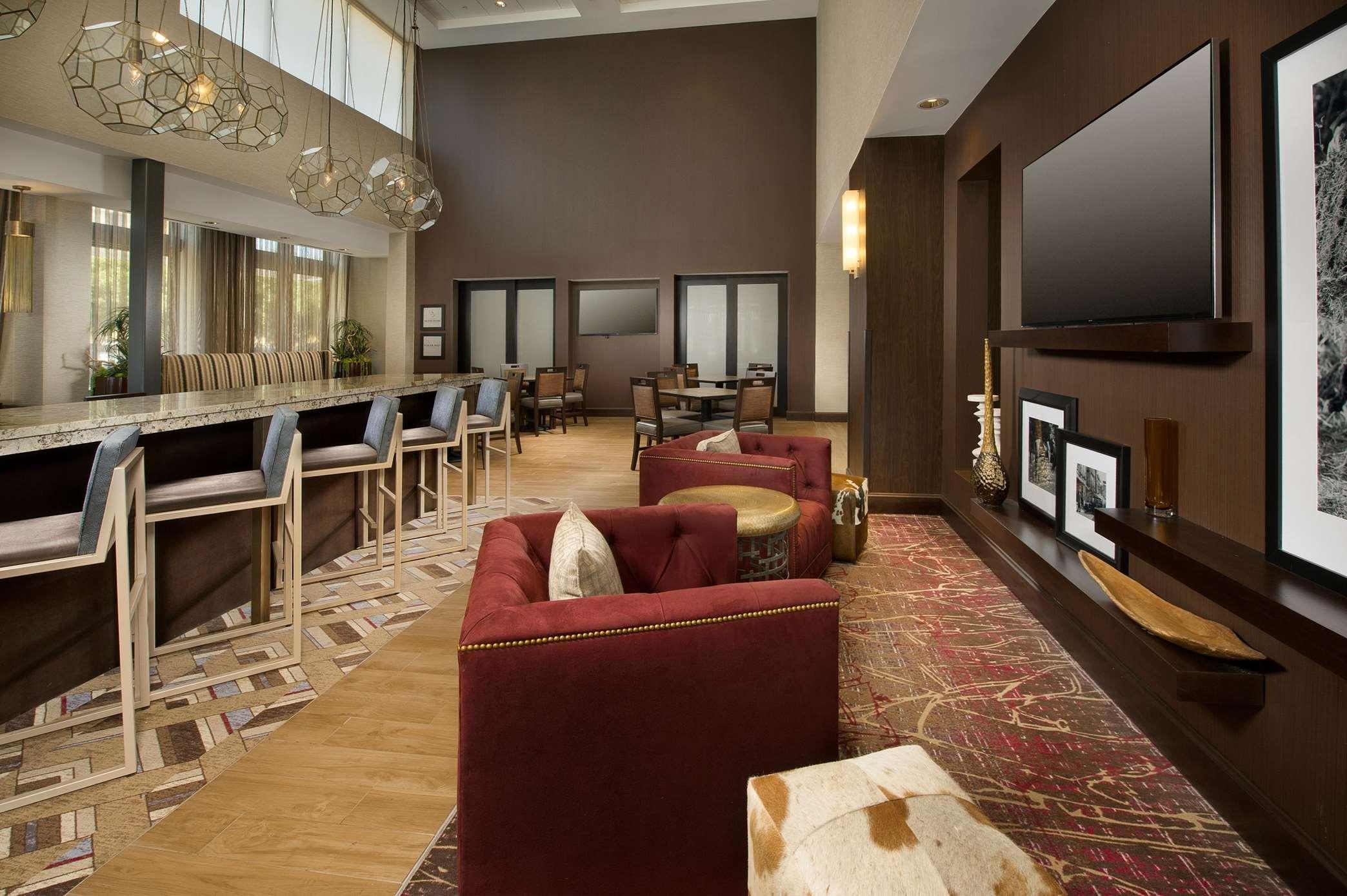 Hampton Inn & Suites San Antonio-Downtown/Market Square image 2