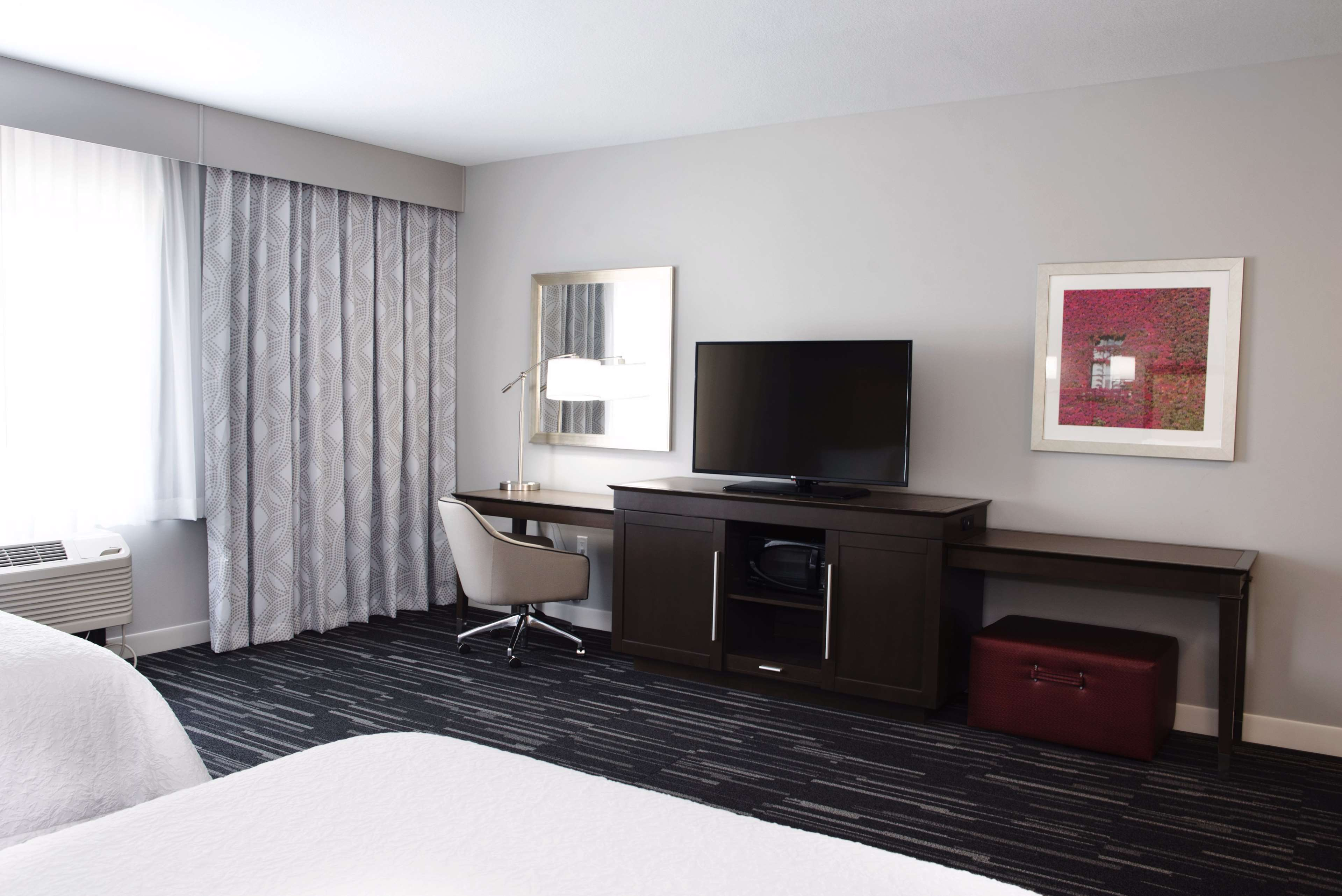 Hampton Inn & Suites Des Moines/Urbandale image 39