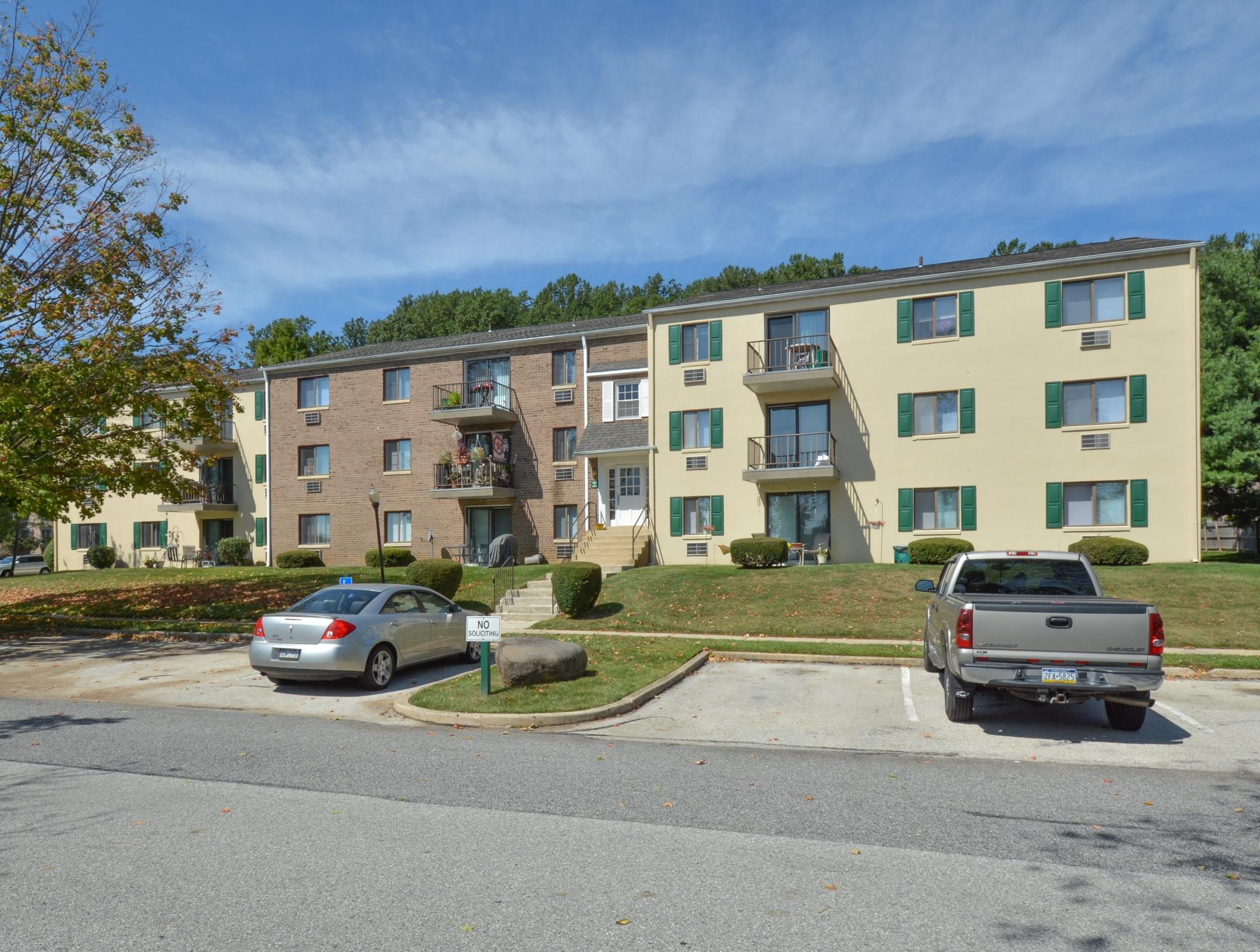Norwood House Apartments image 6