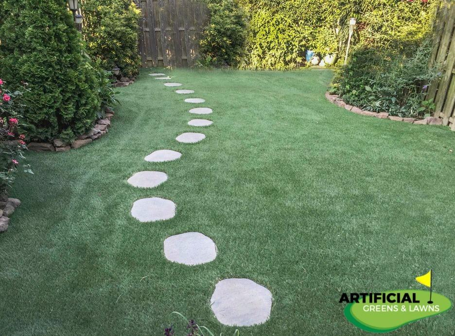 Artificial Greens & Lawns image 1