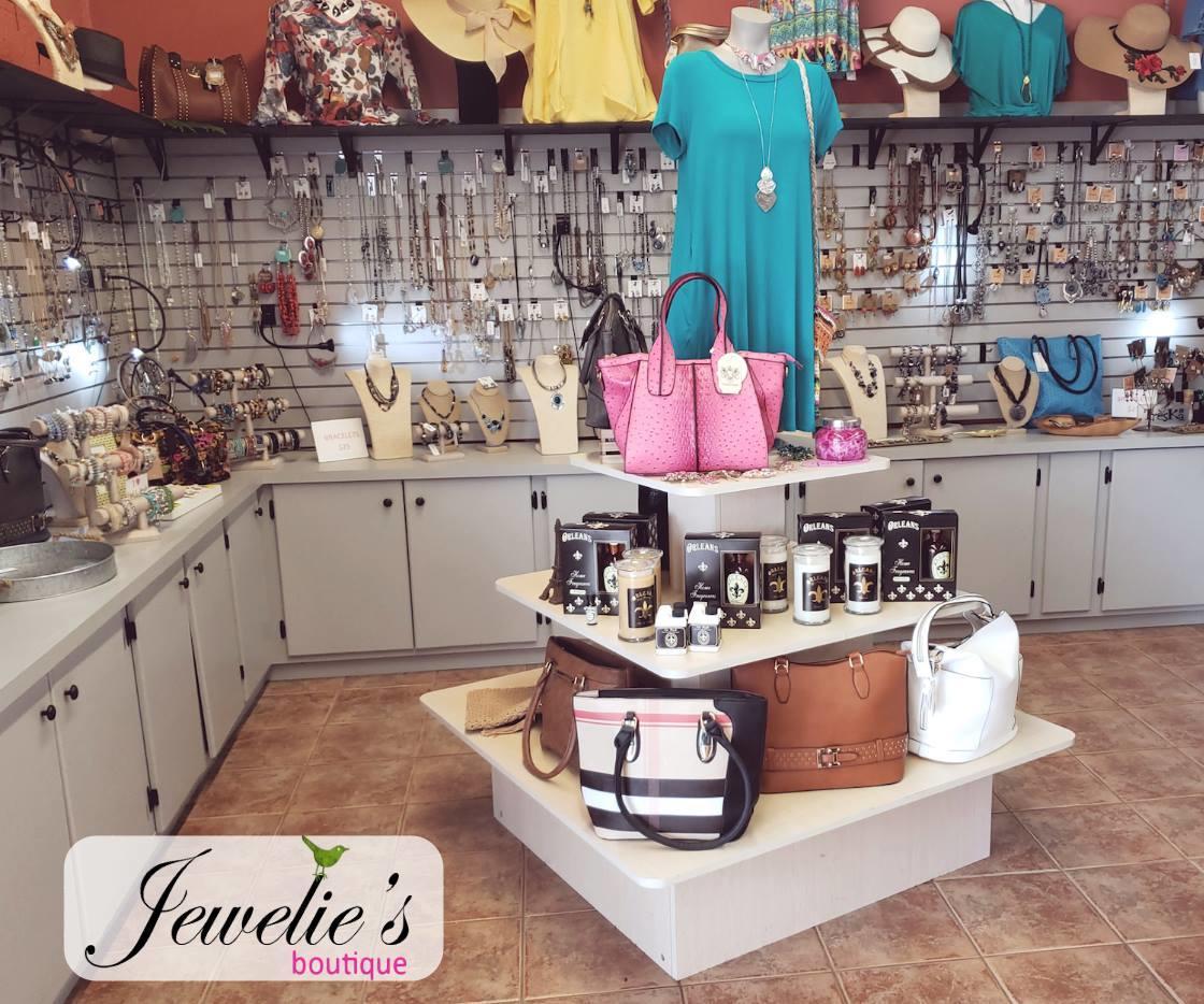 Jewelie's Boutique image 4