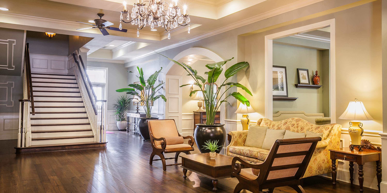 Hampton Inn & Suites Savannah Historic District image 7