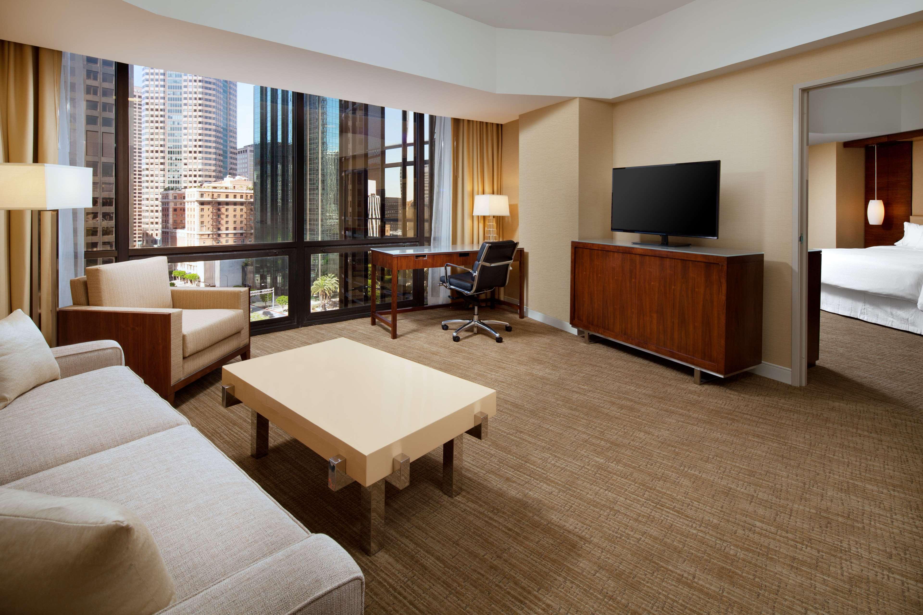The Westin Bonaventure Hotel & Suites, Los Angeles image 11