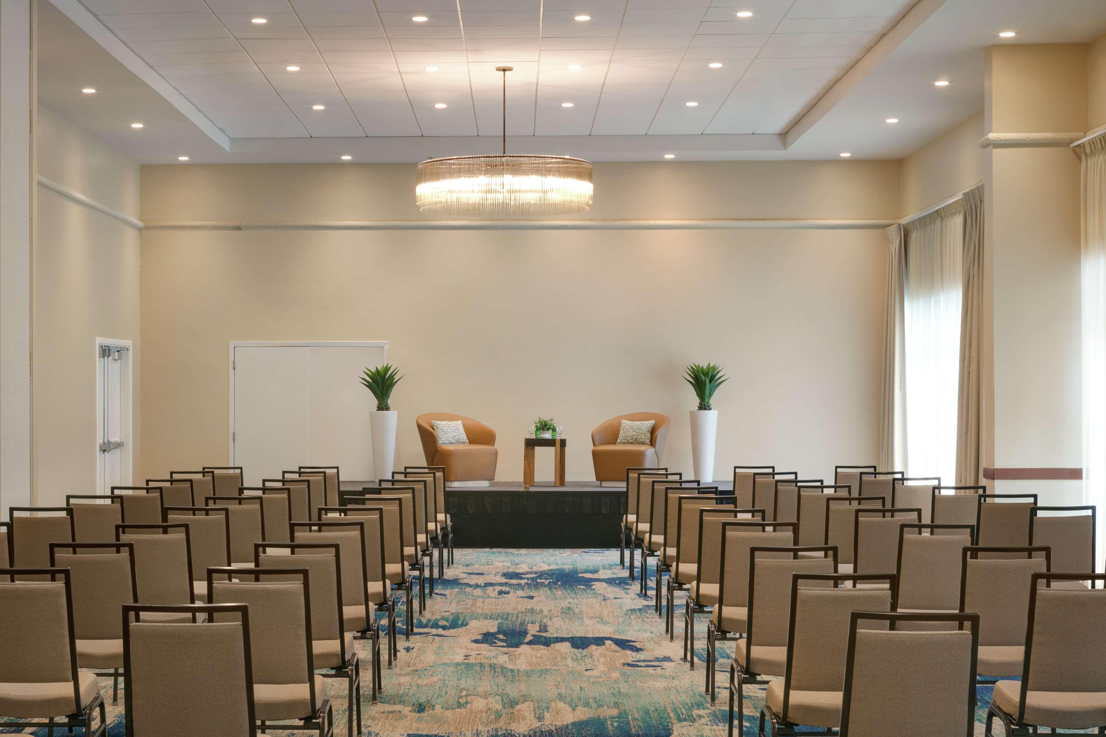 Embassy Suites by Hilton San Juan Hotel & Casino