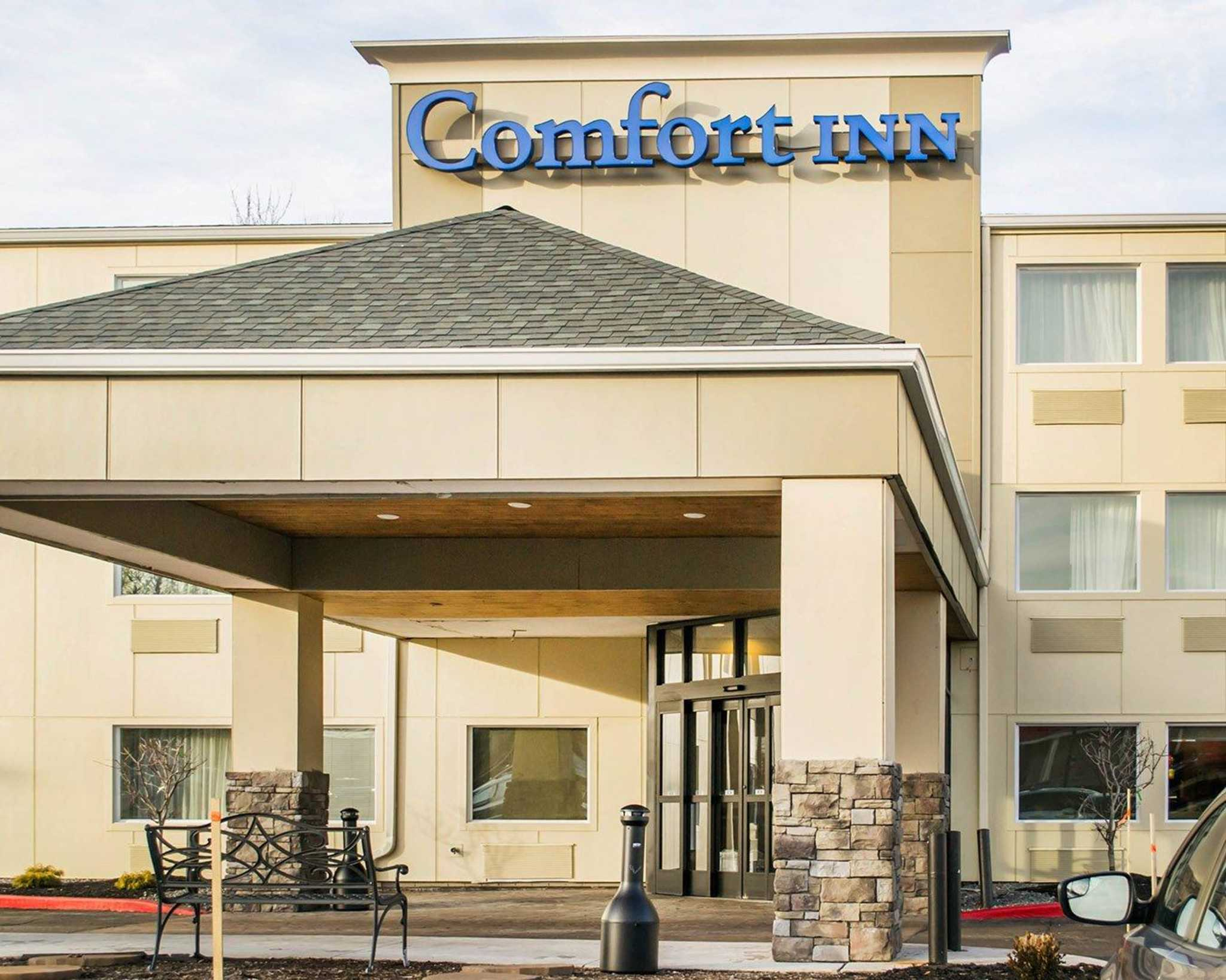 comfort inn mayfield heights cleveland east in mayfield. Black Bedroom Furniture Sets. Home Design Ideas