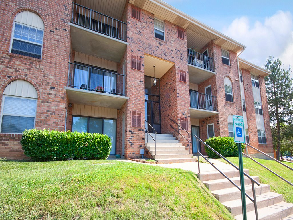Cromwell Valley Apartments image 1