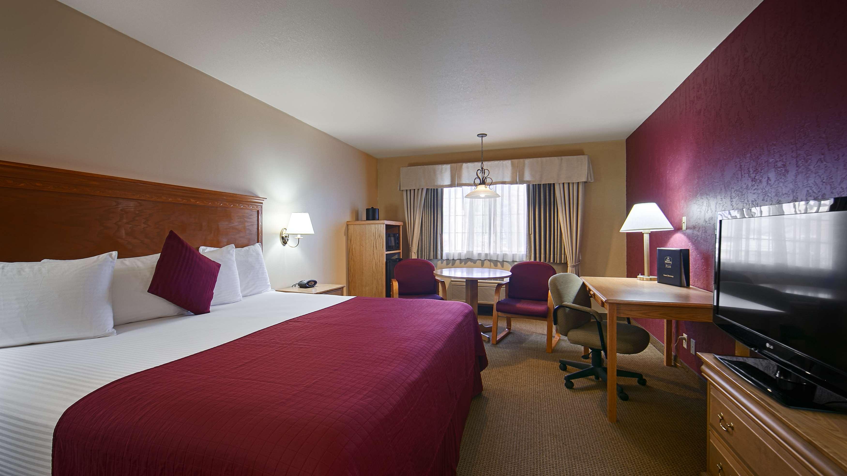 Best Western Plus Caldwell Inn & Suites image 18