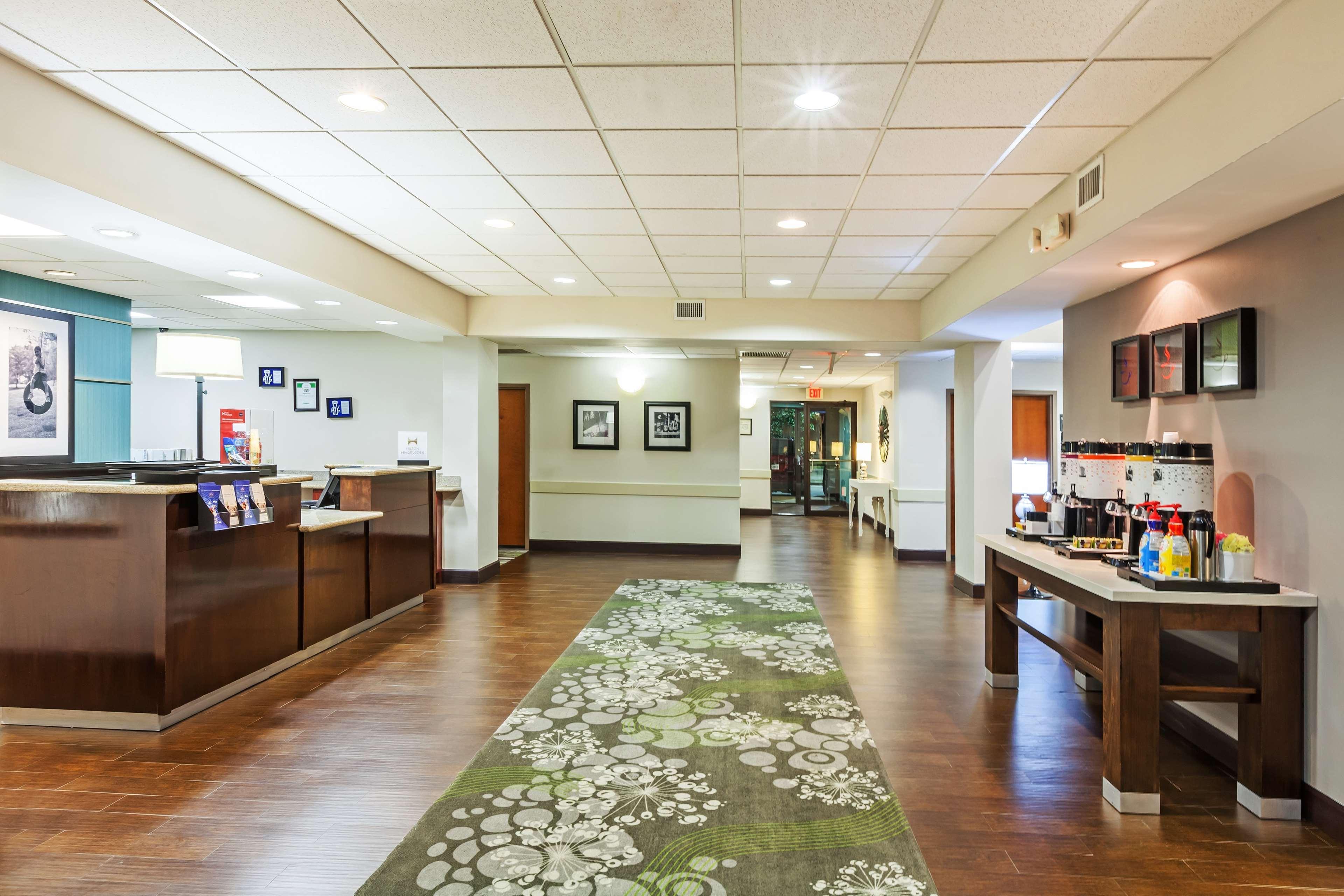 Hampton Inn & Suites Houston-Westchase image 3