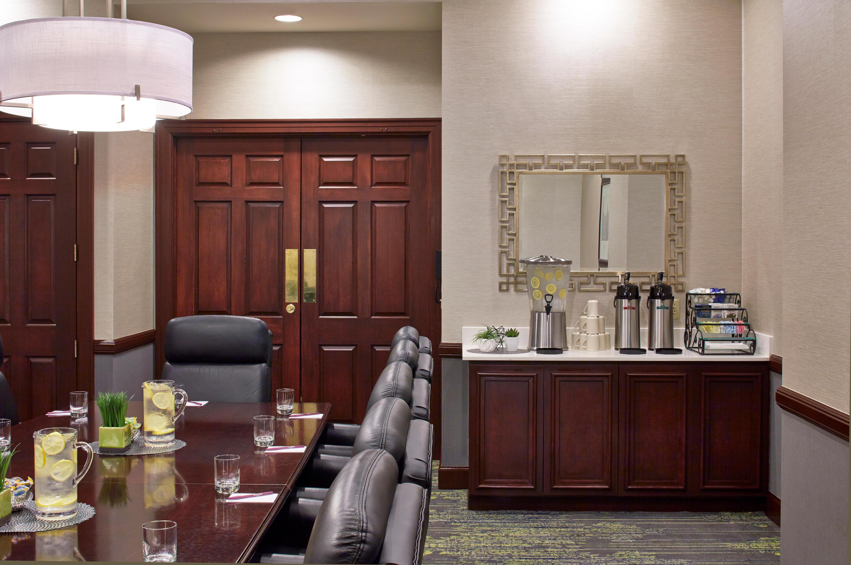 Residence Inn by Marriott Milwaukee Downtown image 8