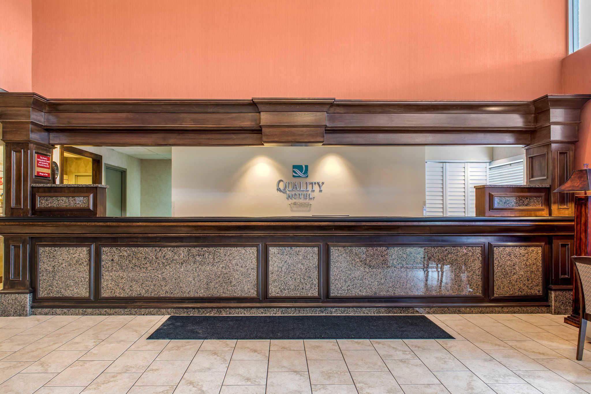 Quality Hotel - Cincinnati Blue Ash image 2