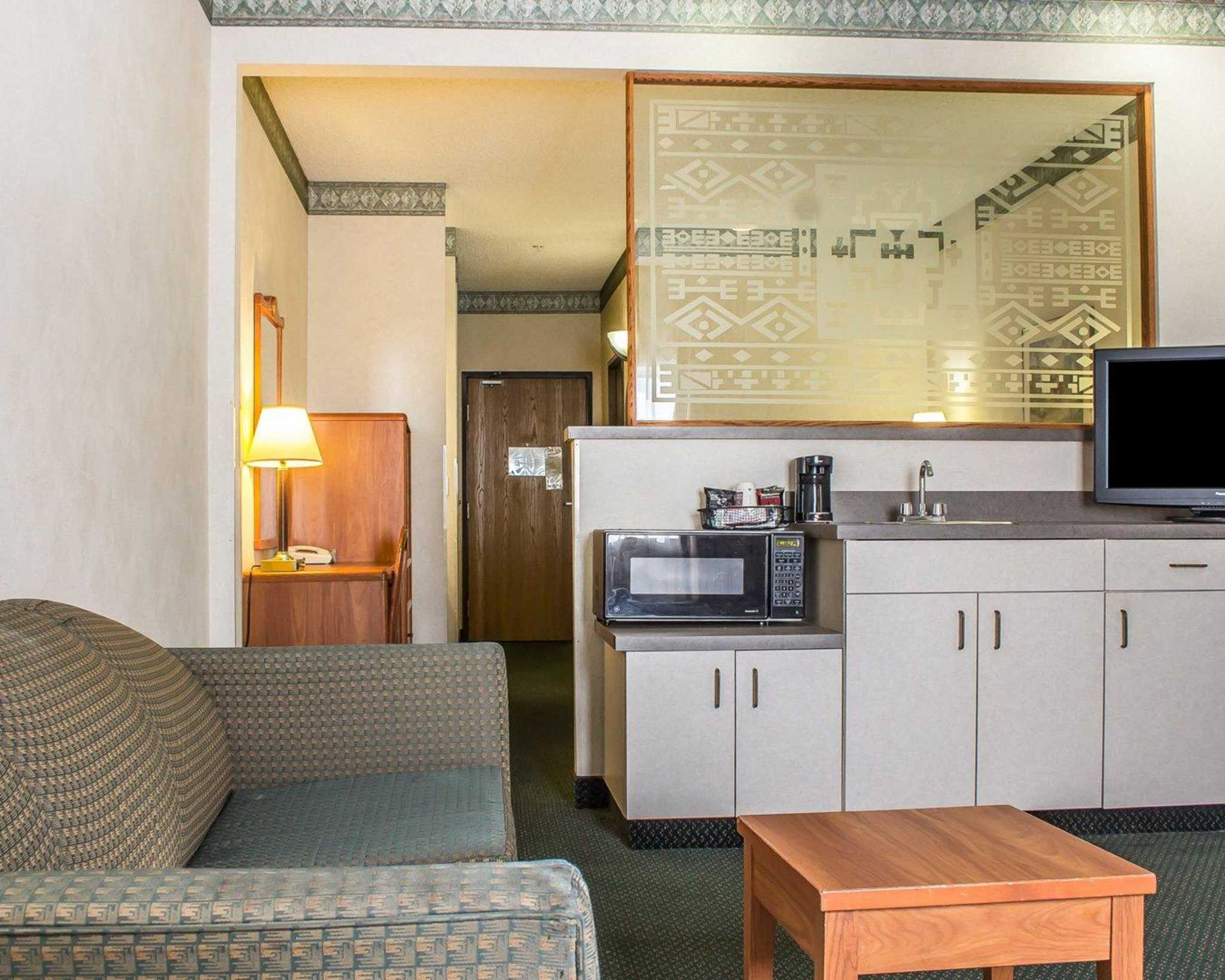 Comfort Suites Phoenix North image 26