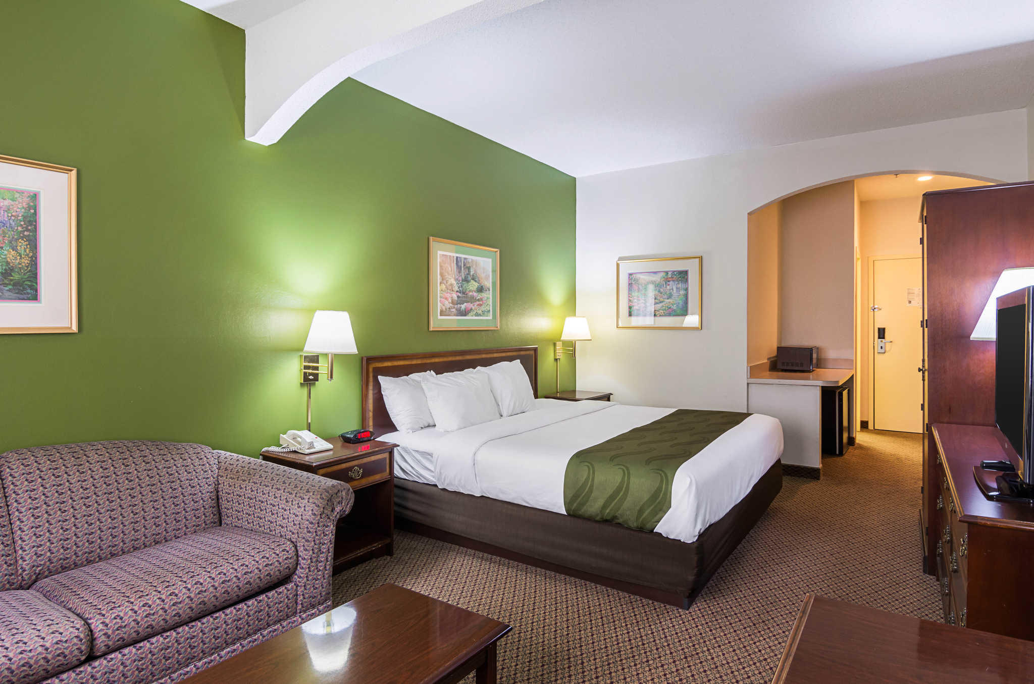 Quality Inn & Suites Kearneysville - Martinsburg image 17