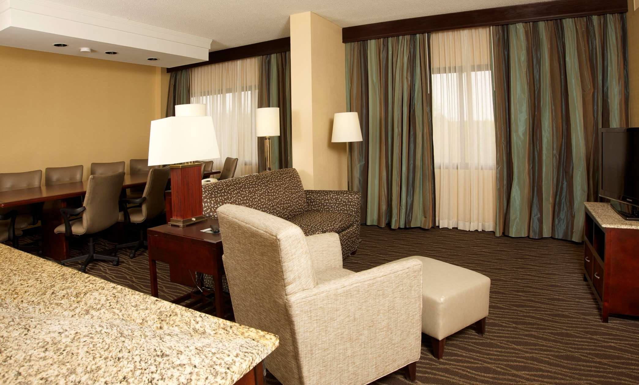 DoubleTree Suites by Hilton Hotel Raleigh - Durham image 29