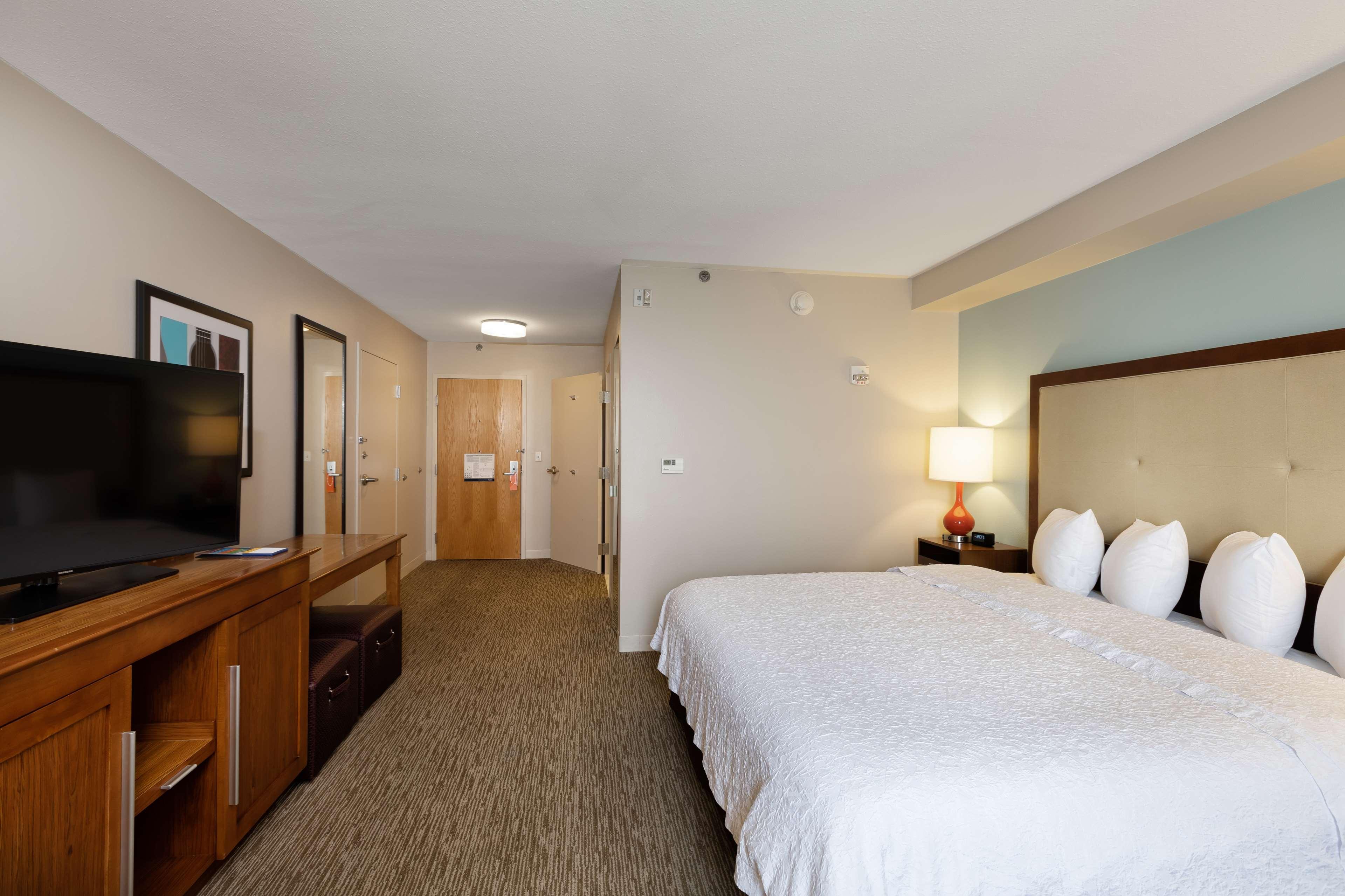 Hampton Inn & Suites Austin-Airport image 35