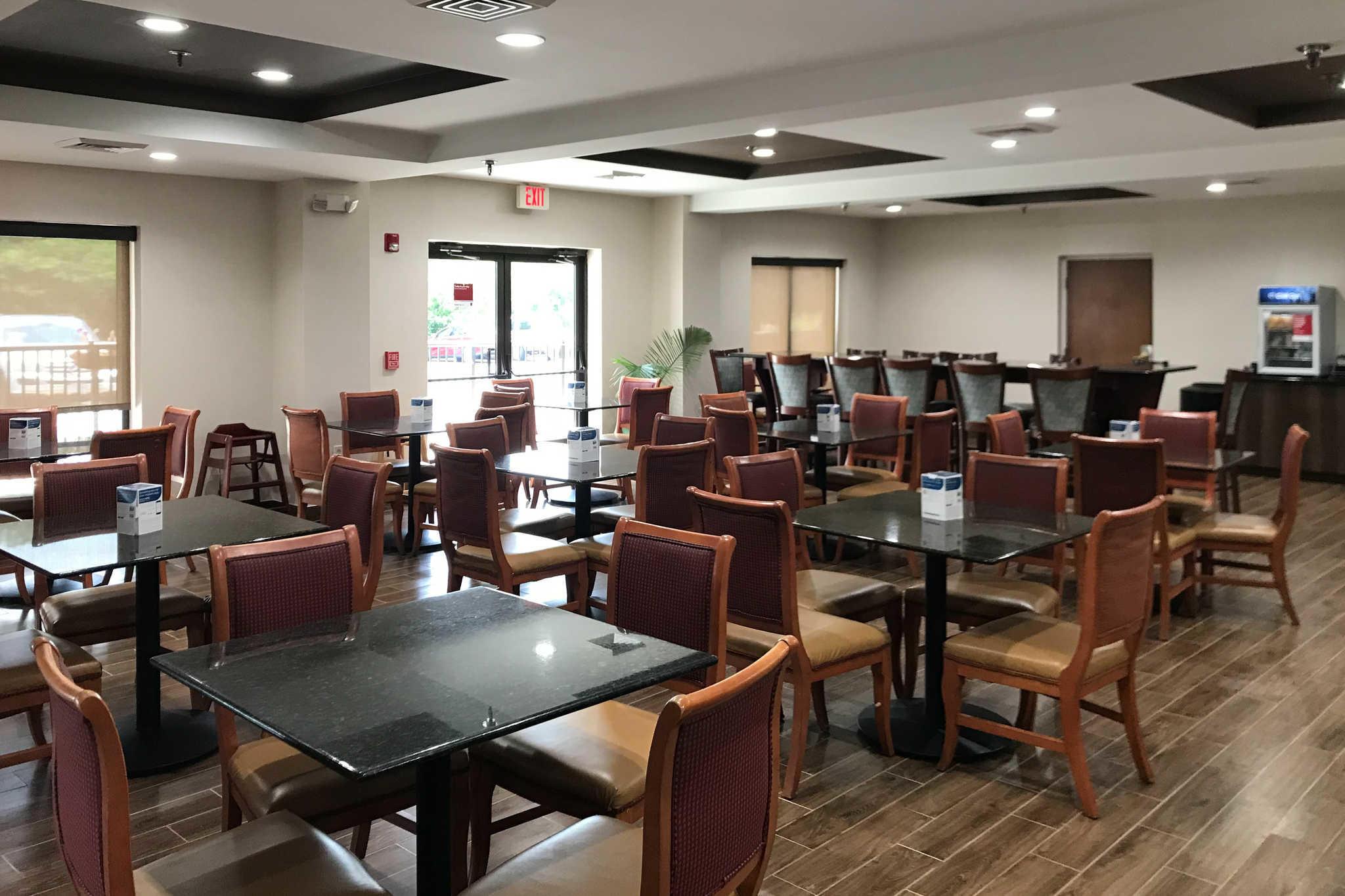 Comfort Suites Southpark image 24