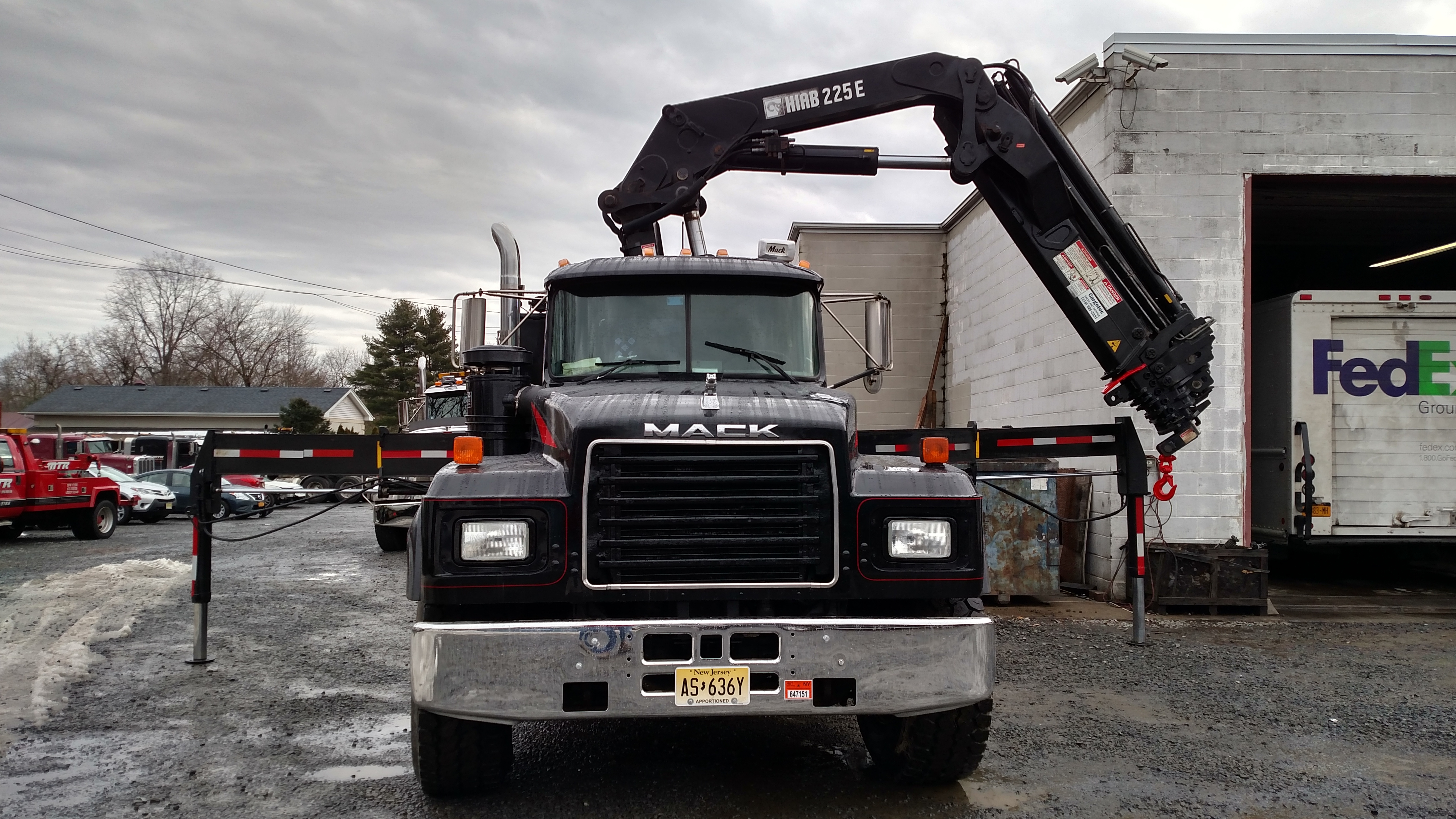 Mike's Towing & Recovery image 2