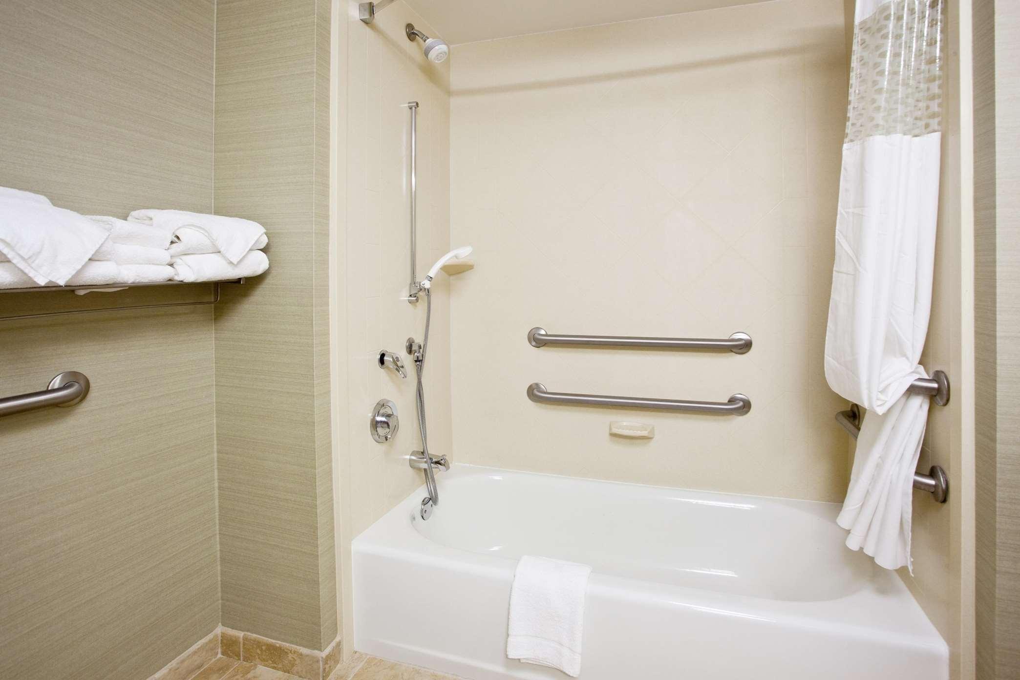 Hampton Inn & Suites ATL-Six Flags image 9