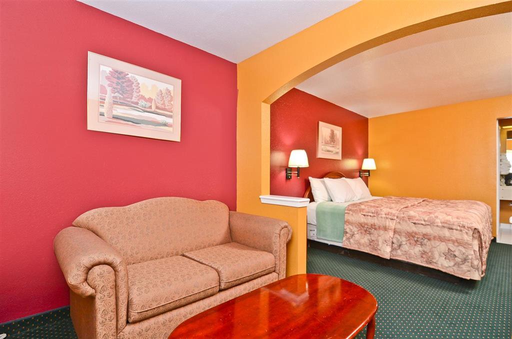 Americas Best Value Inn & Suites Smithville image 9