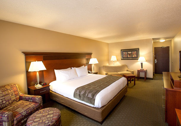 Fairfield Inn & Suites by Marriott Detroit Livonia image 3