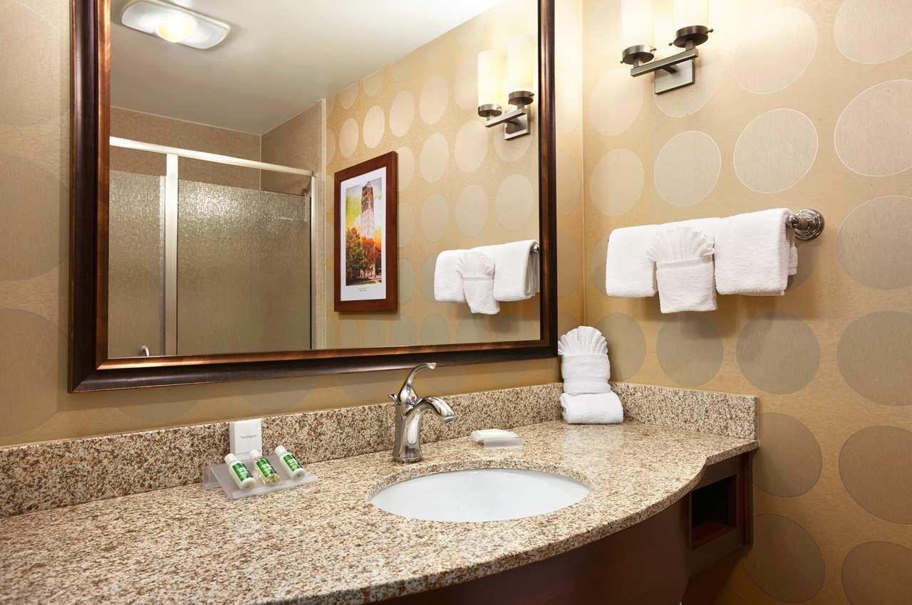 Hilton Garden Inn Ann Arbor image 10