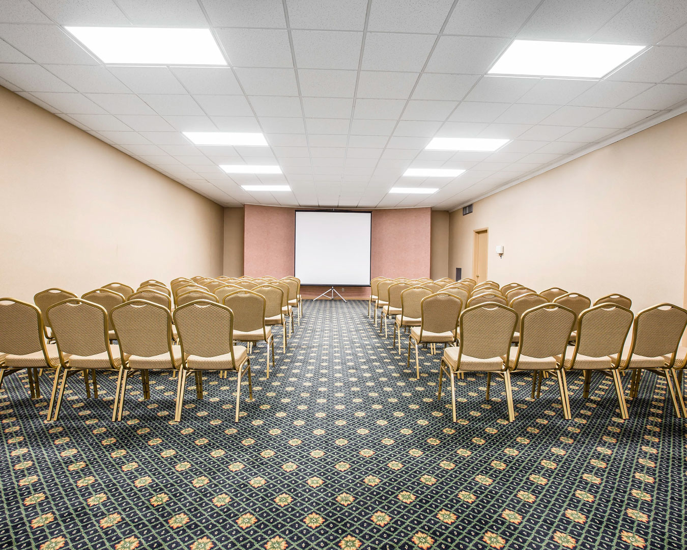 Quality Inn & Suites Airpark East at 7067 Albert Pick Road