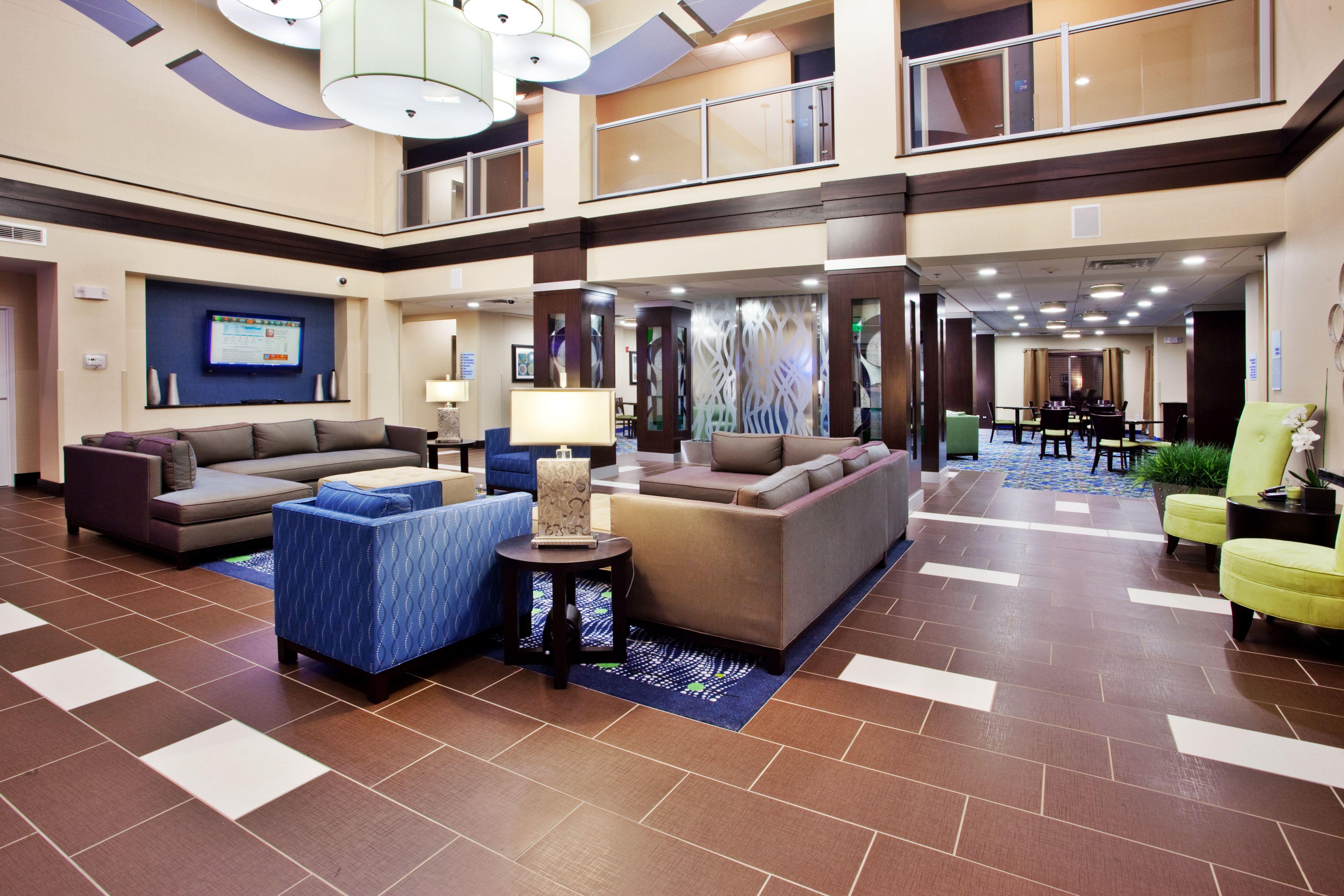 Holiday Inn Express & Suites Atlanta Arpt West - Camp Creek image 8