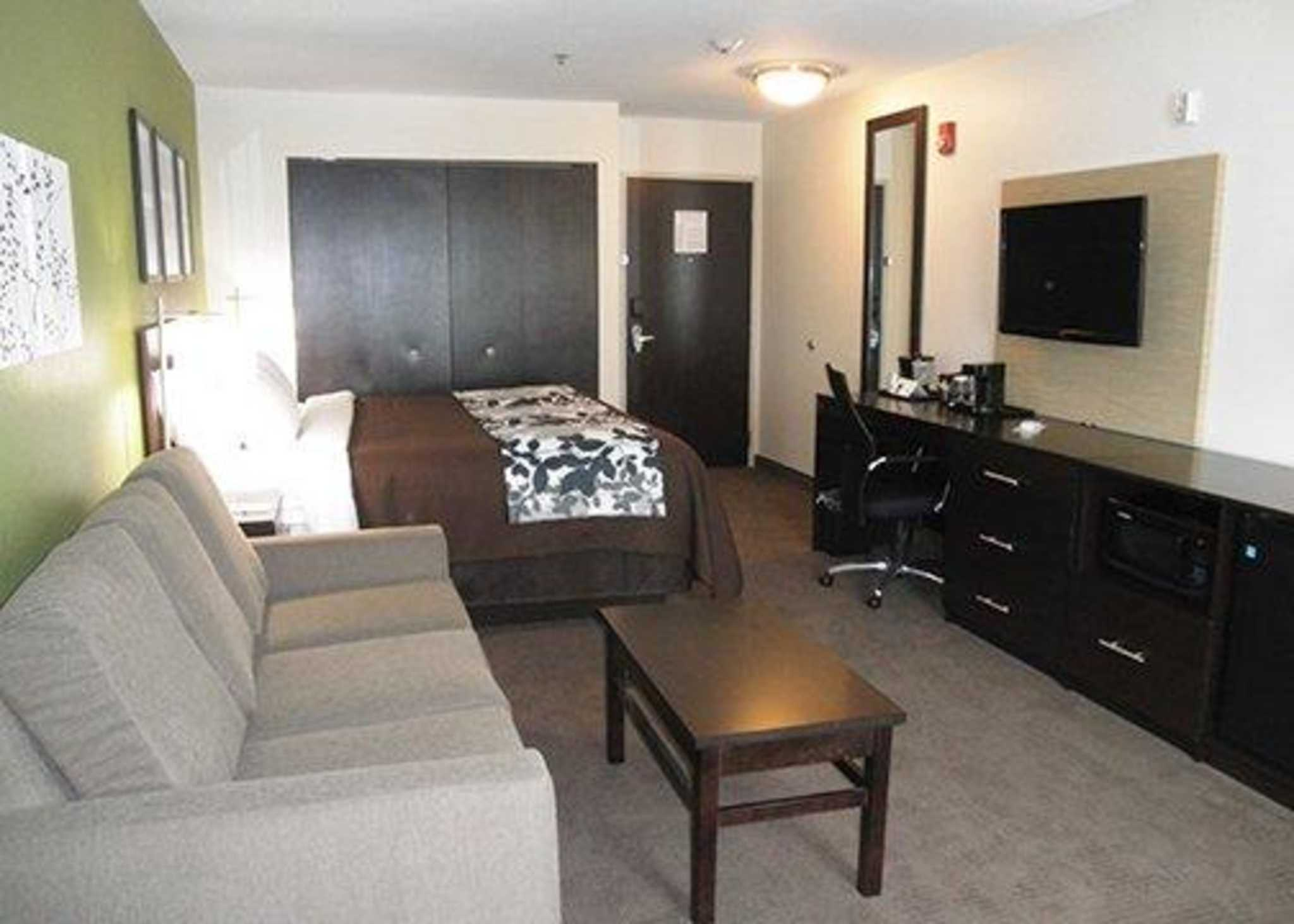 Sleep Inn & Suites Belmont / St. Clairsville image 7