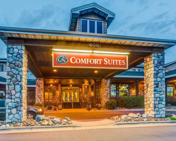 comfort suites canal park in duluth mn 55802 citysearch. Black Bedroom Furniture Sets. Home Design Ideas