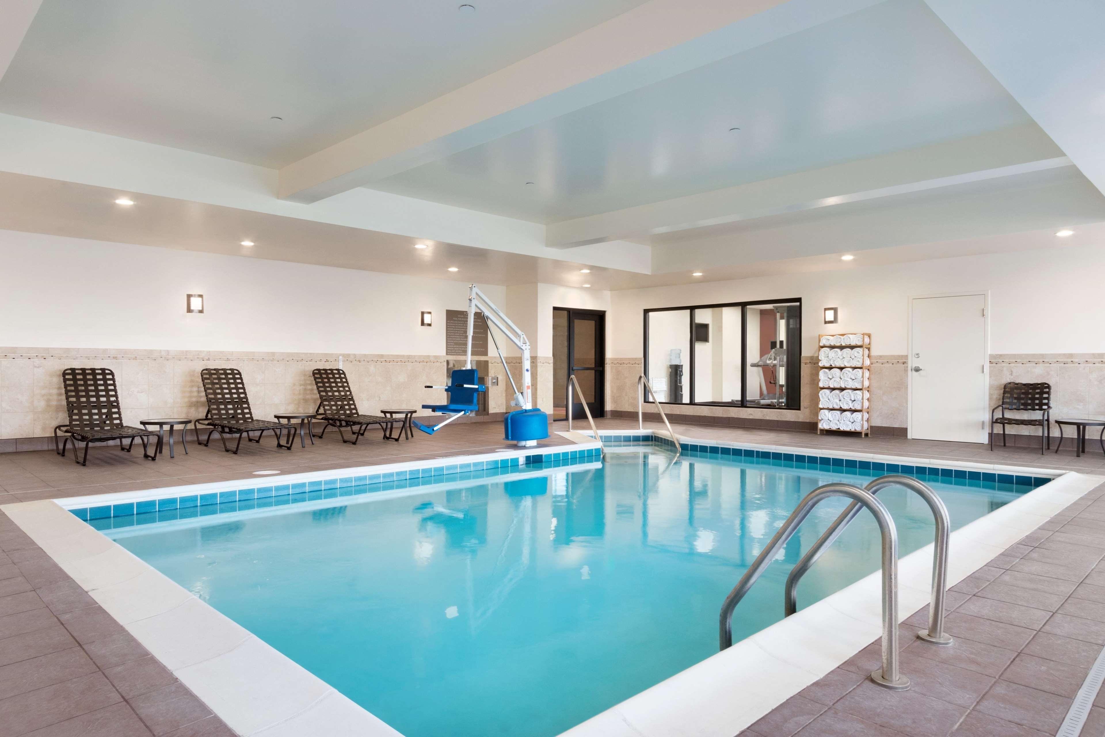 Hilton Garden Inn Medford image 6