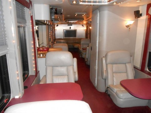 Red's Limo and Shuttle Service image 6