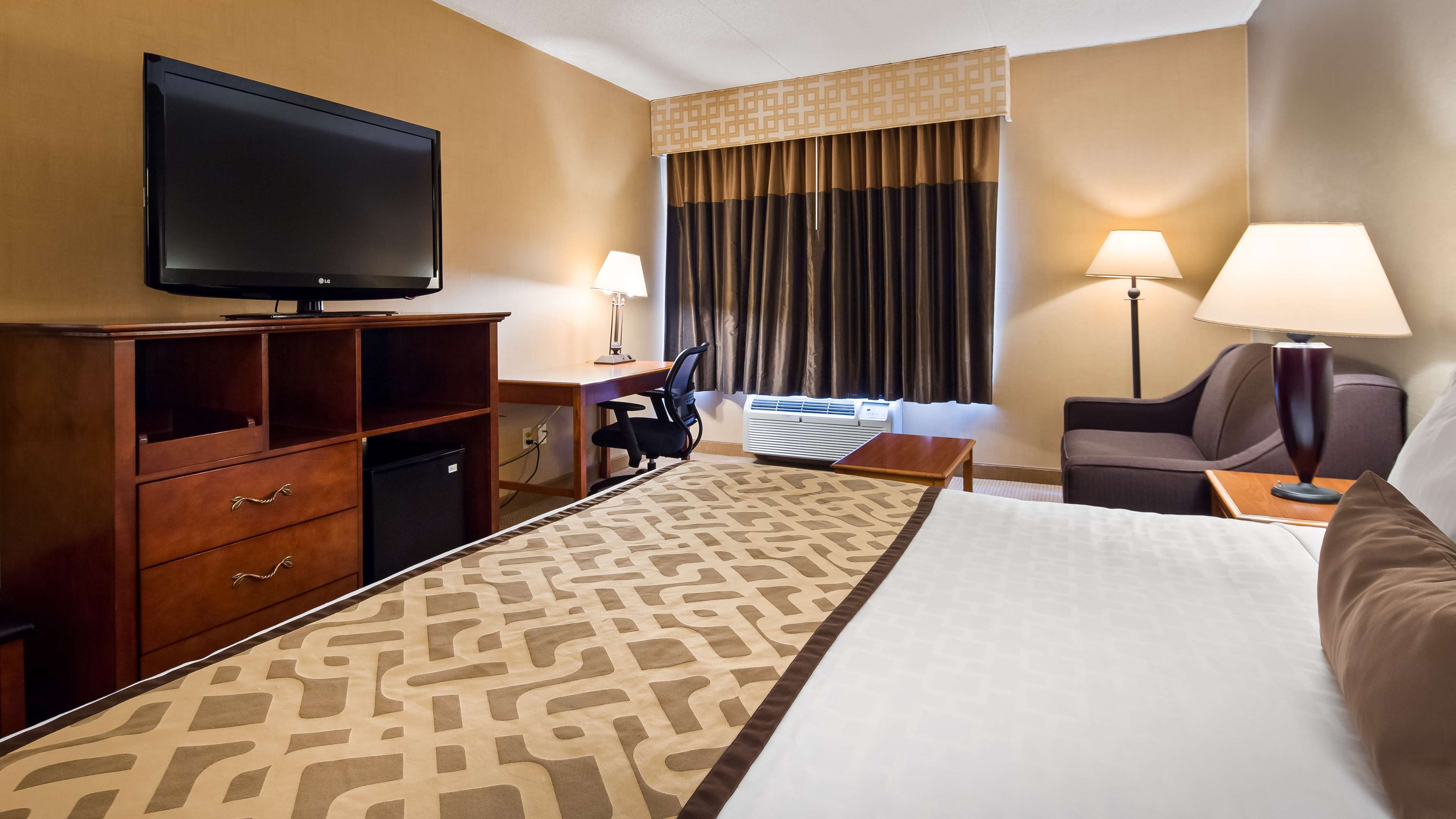 Best Western Plus North Haven Hotel image 0