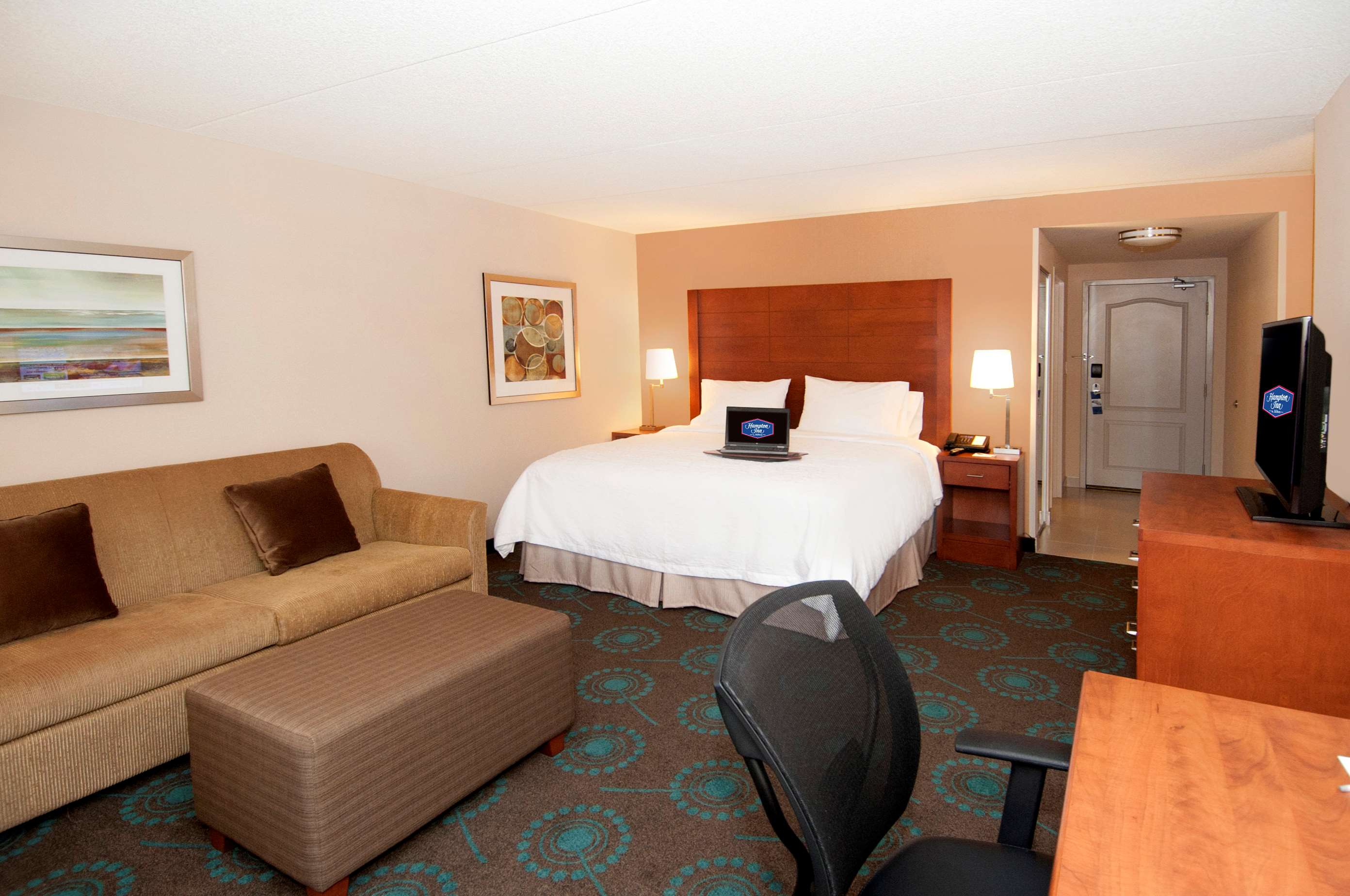 Hampton Inn by Hilton Brampton Toronto in Brampton: Guest room