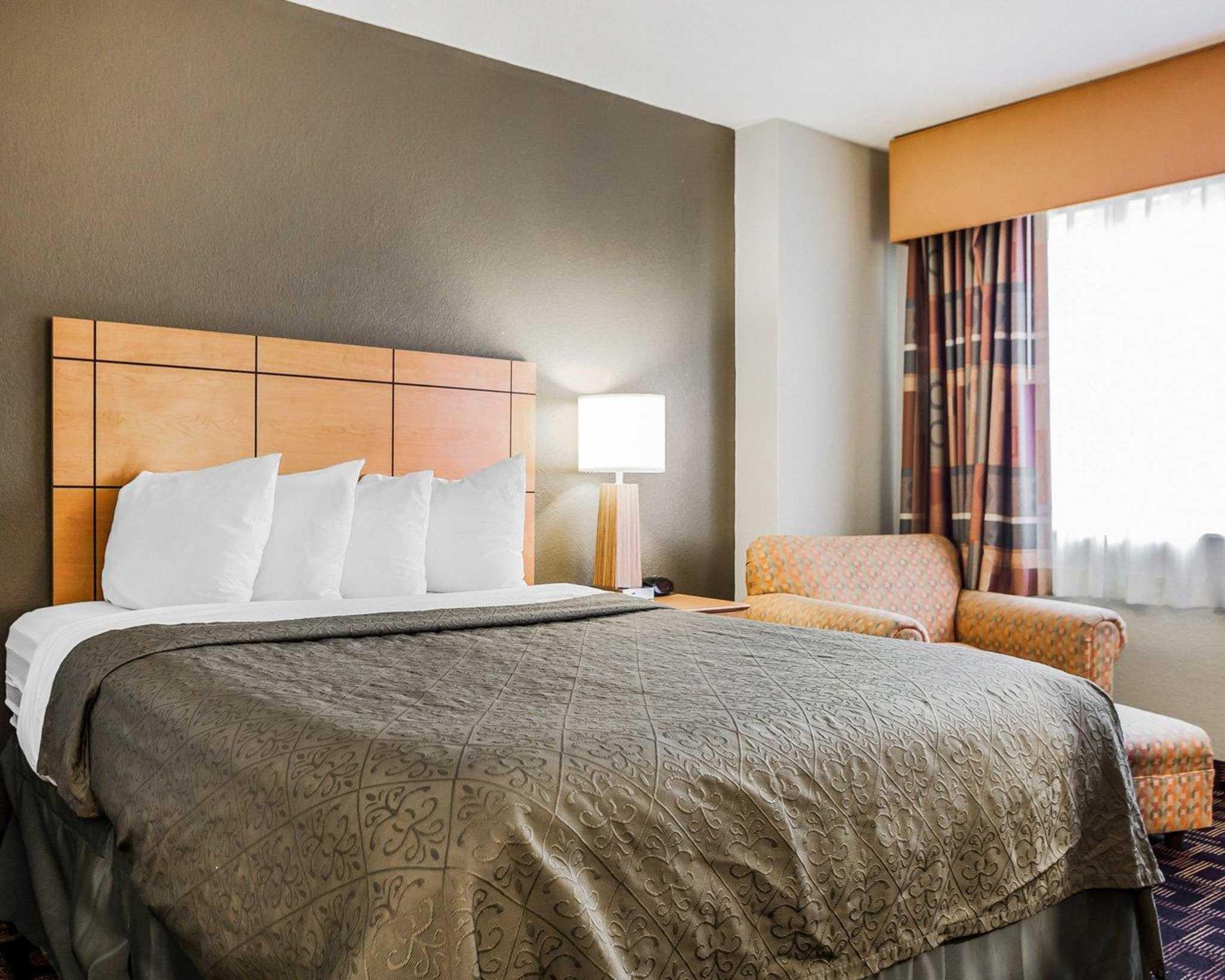Quality Inn & Suites Des Moines Airport image 8