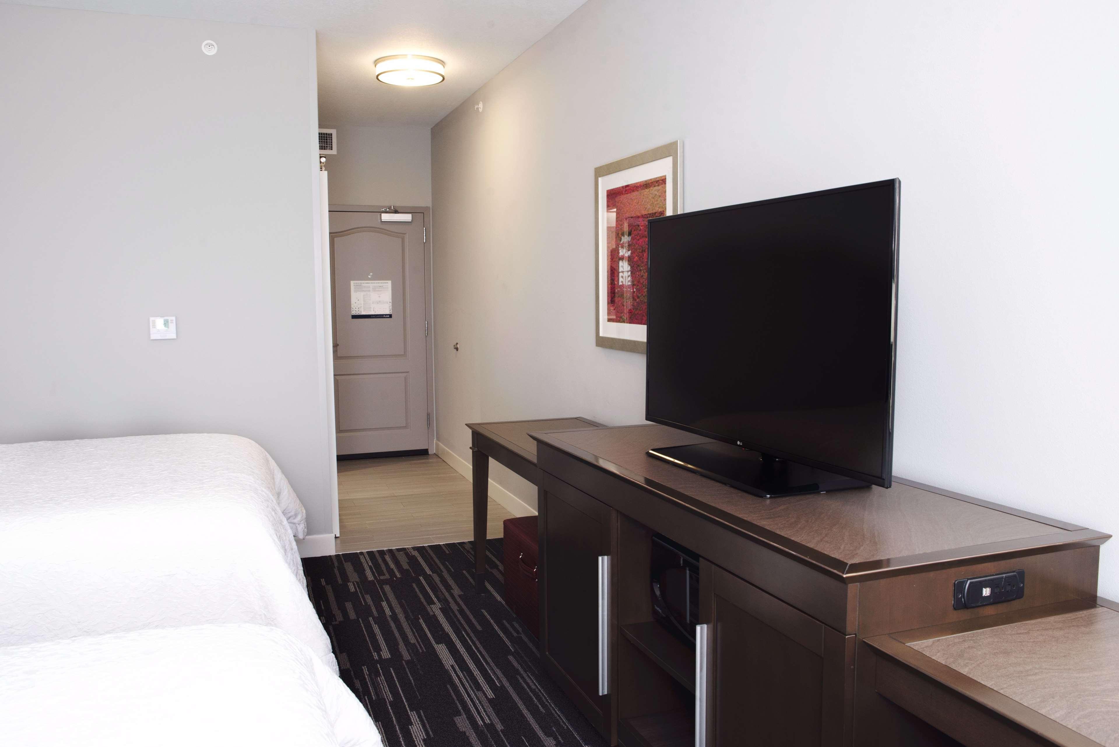 Hampton Inn & Suites Des Moines/Urbandale image 24
