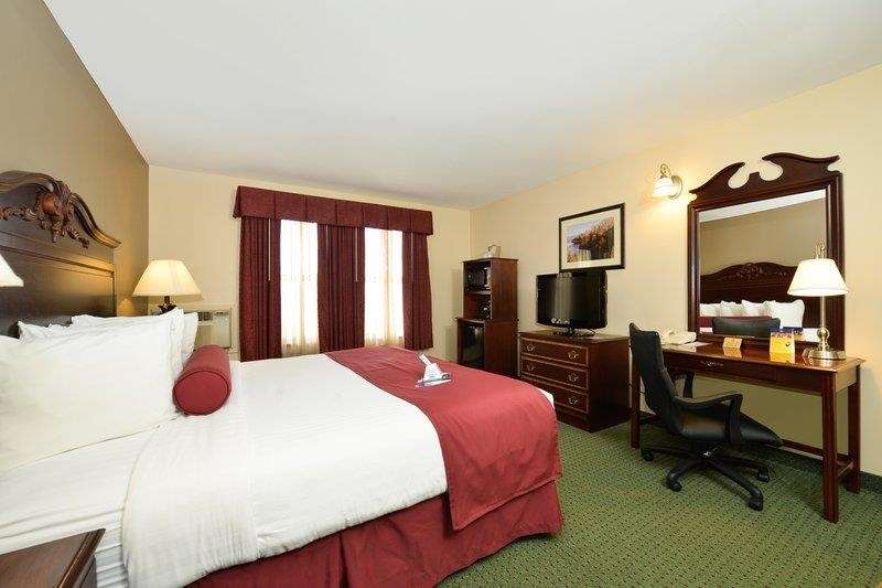 Best Western The Hotel Chequamegon image 18