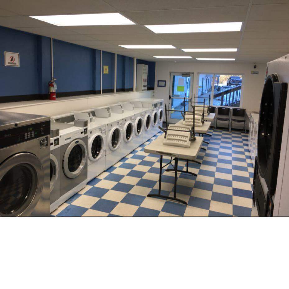 Squires Laundry and Showers image 2