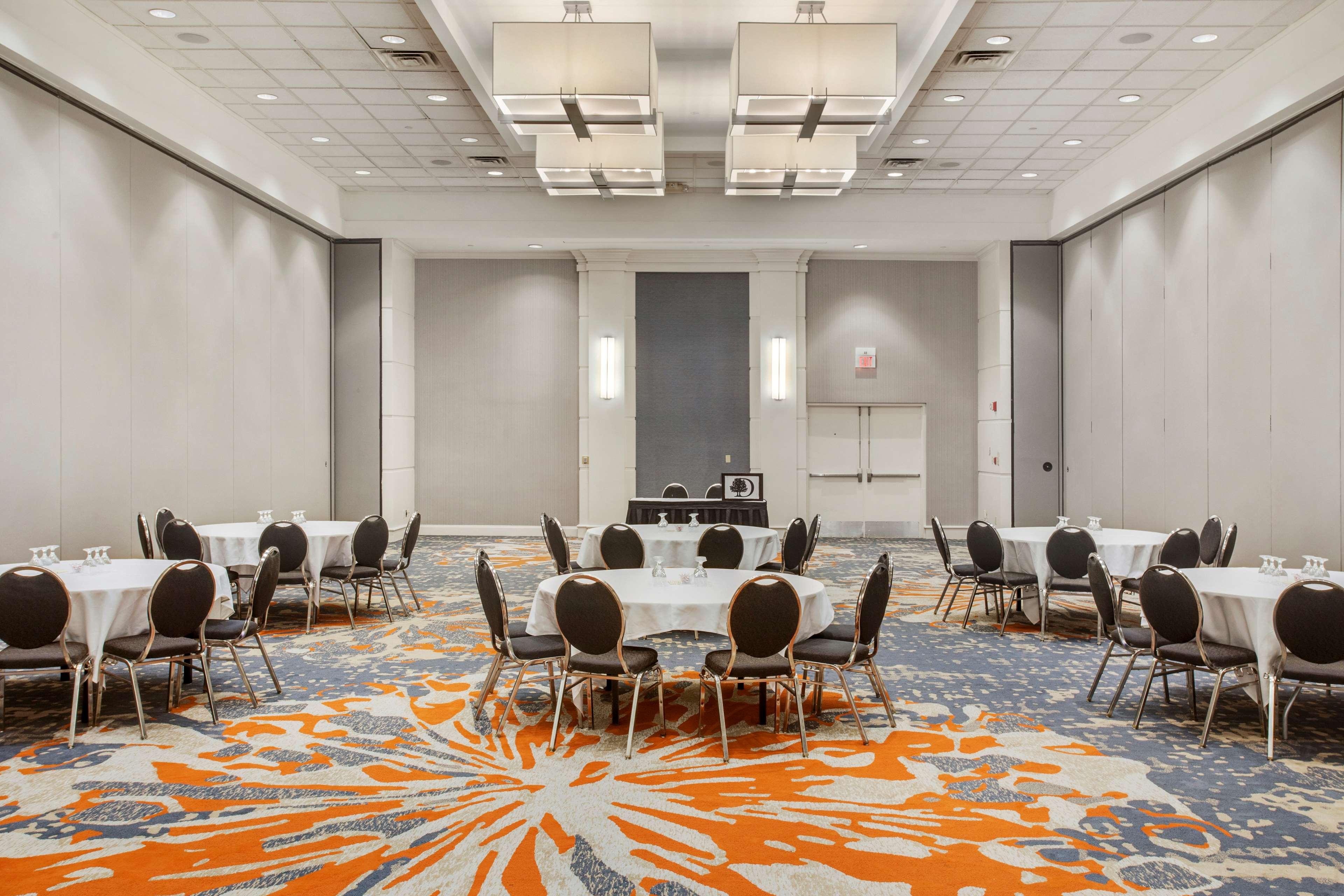 DoubleTree by Hilton Hotel Little Rock image 41